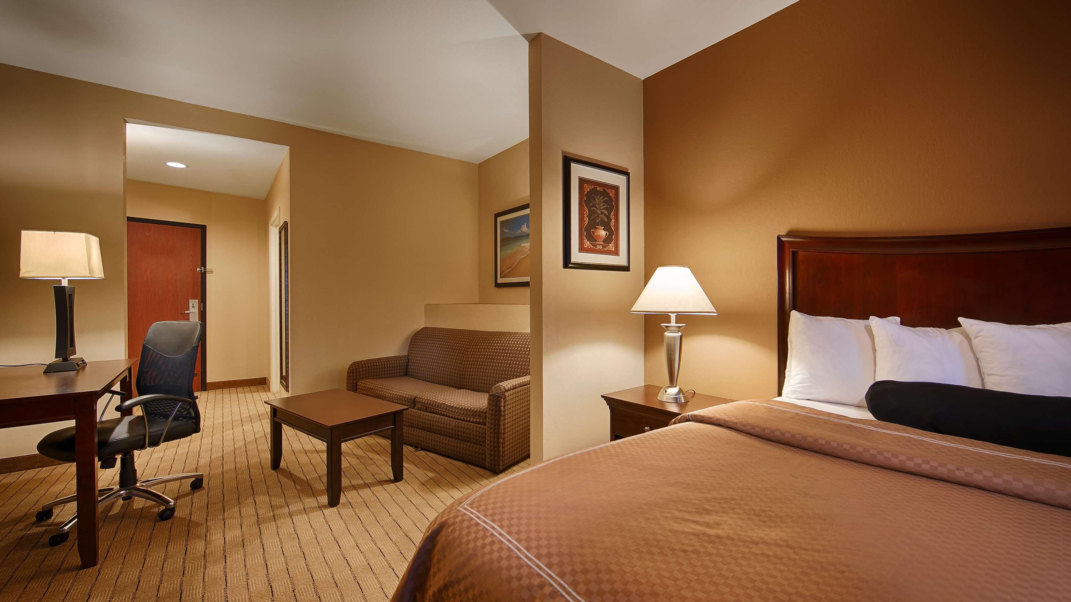Best Western Plus Daphne Inn & Suites image 15