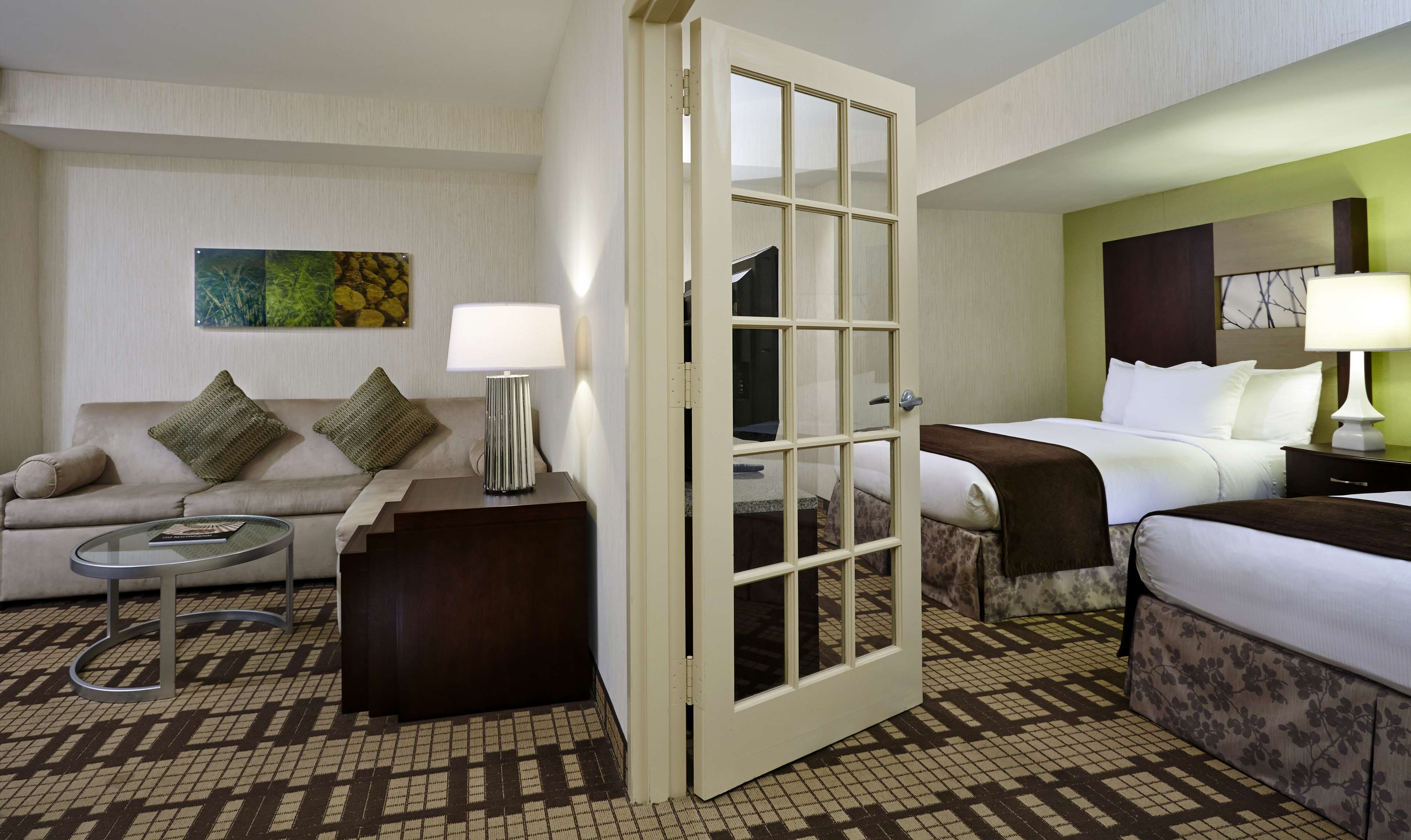 DoubleTree by Hilton Hotel Washington DC - Silver Spring image 8