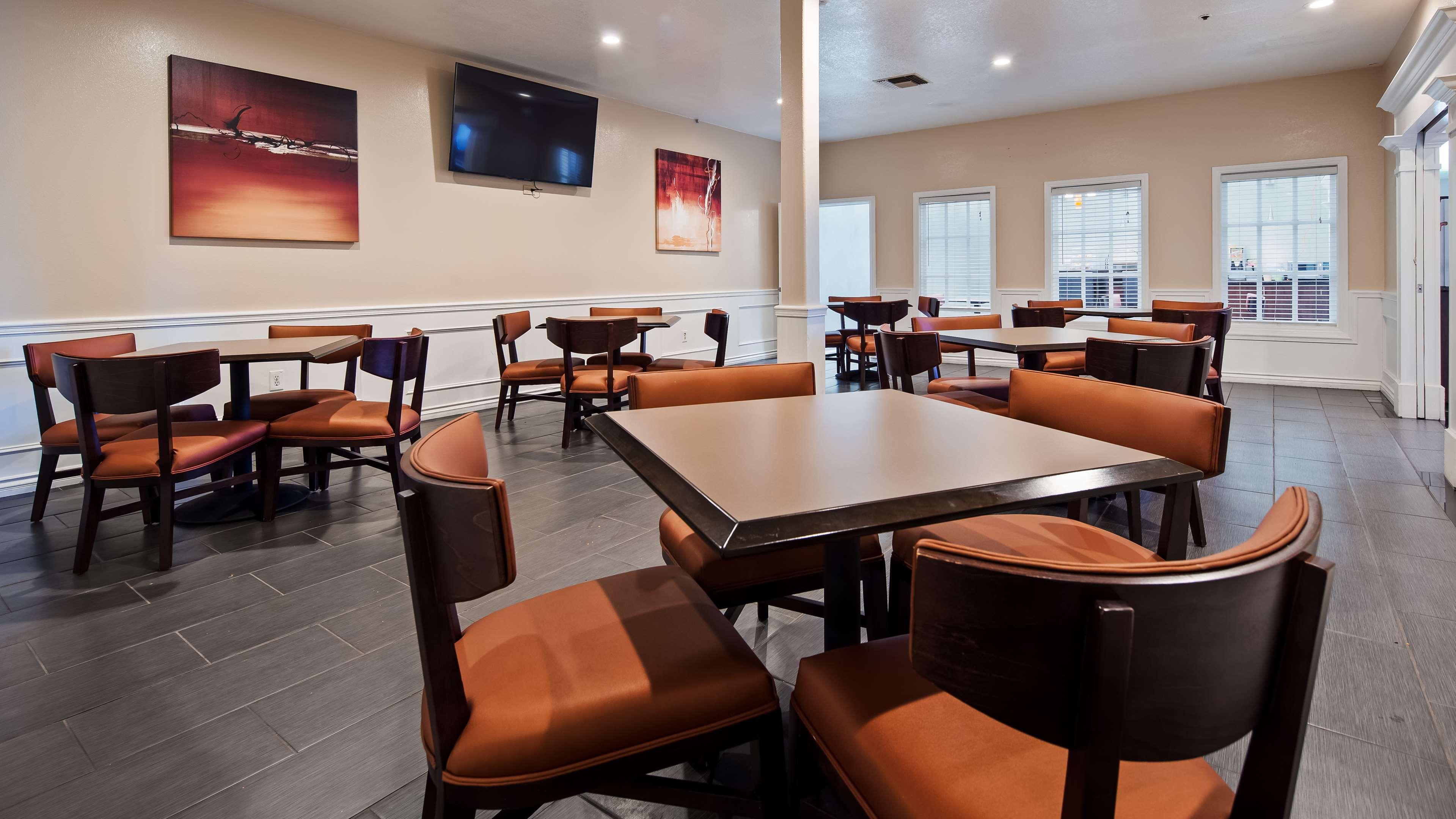 Best Western Plus Newport Mesa Inn image 24