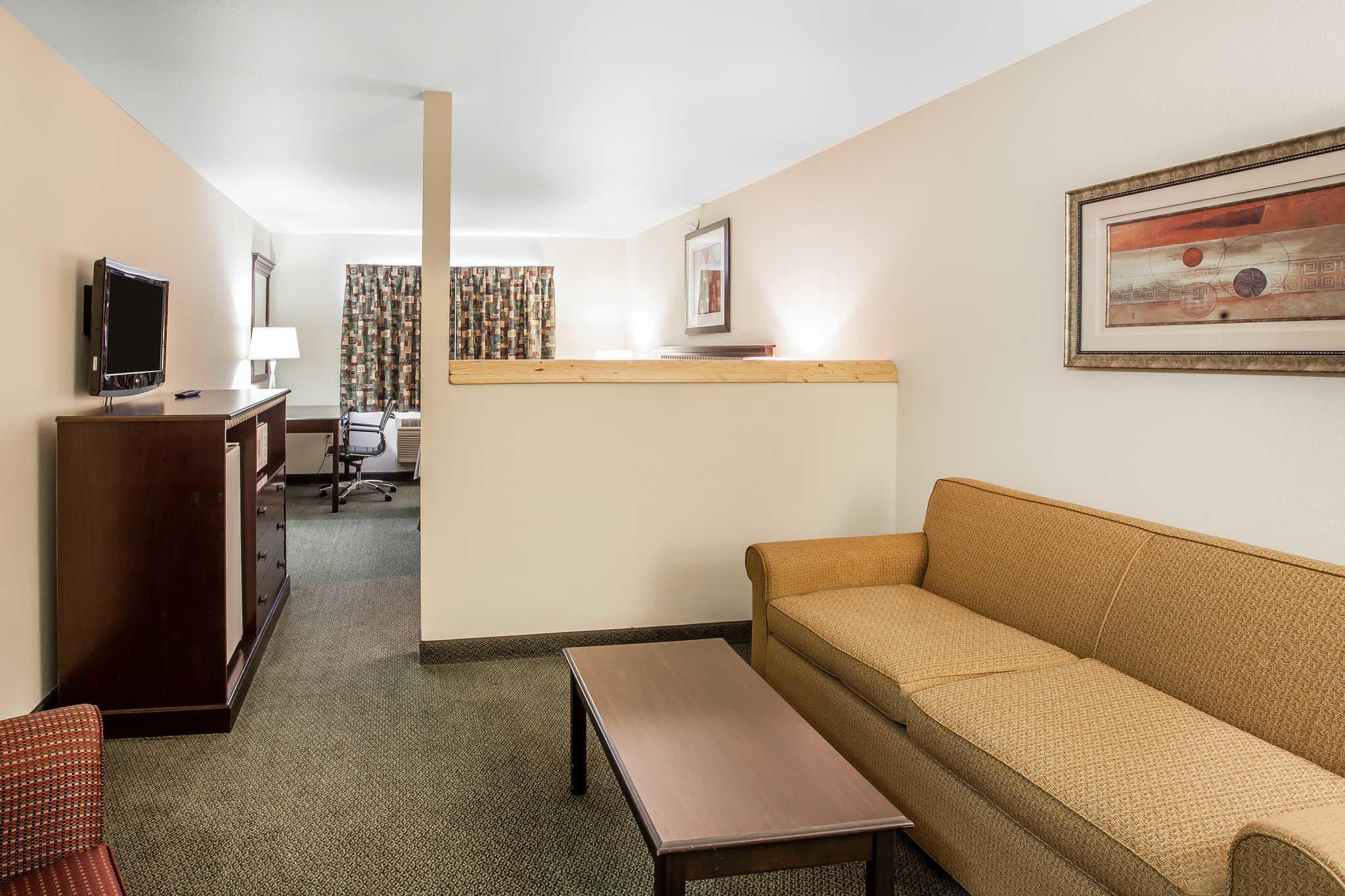 Comfort Inn Downtown image 11