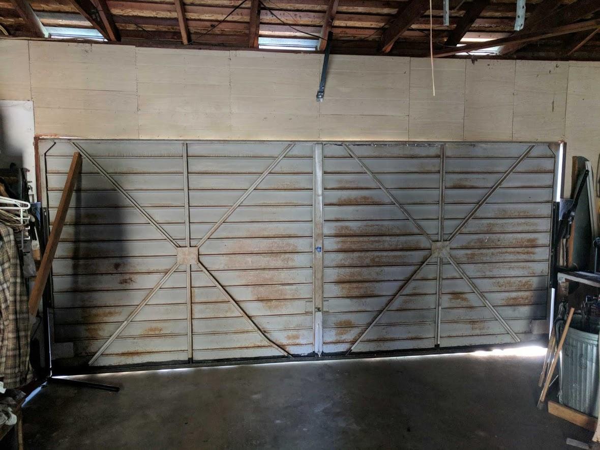 GR8 Garage Door image 63
