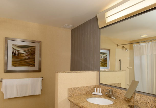 Courtyard by Marriott Wichita at Old Town image 3