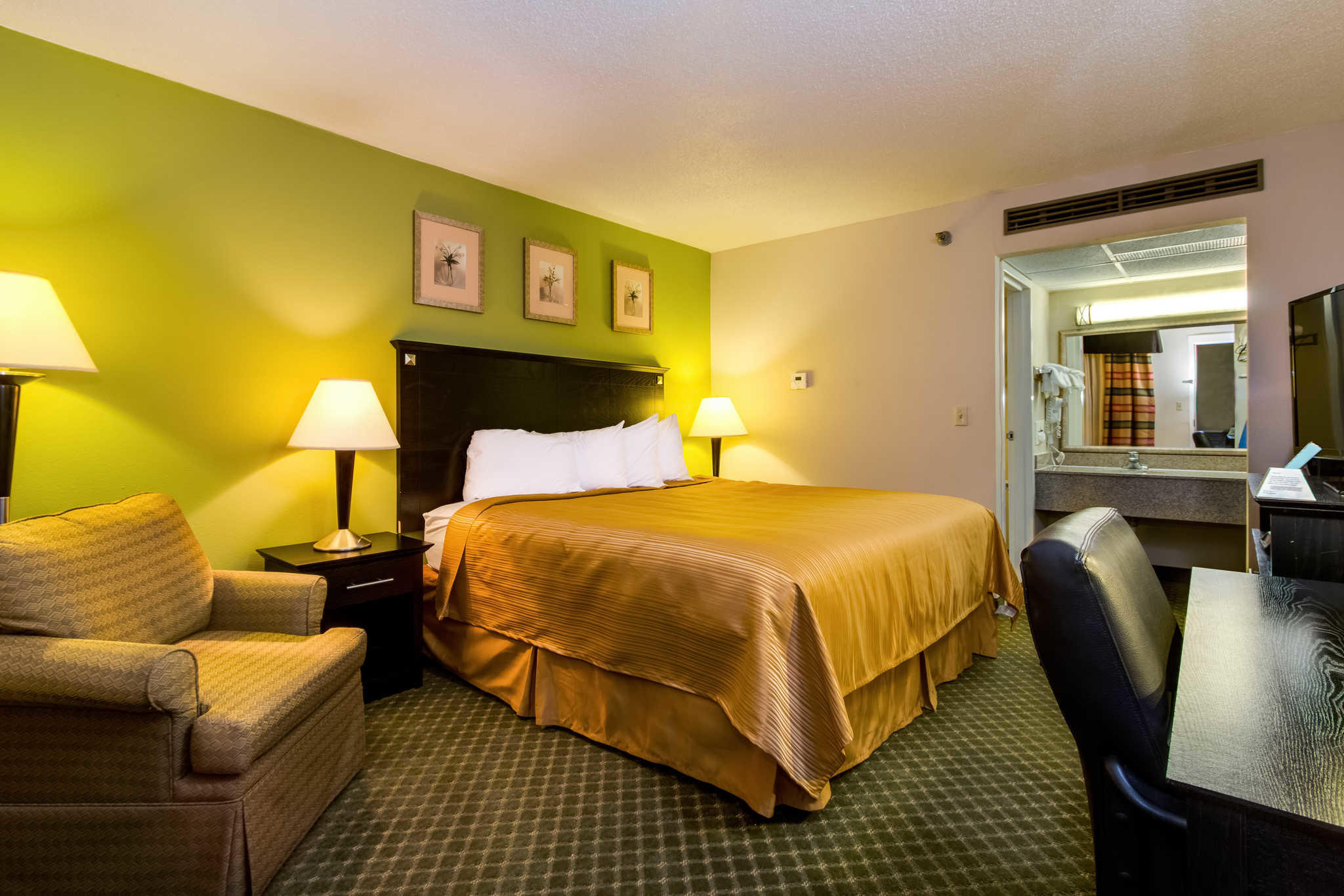 Quality Inn & Suites Moline - Quad Cities image 11