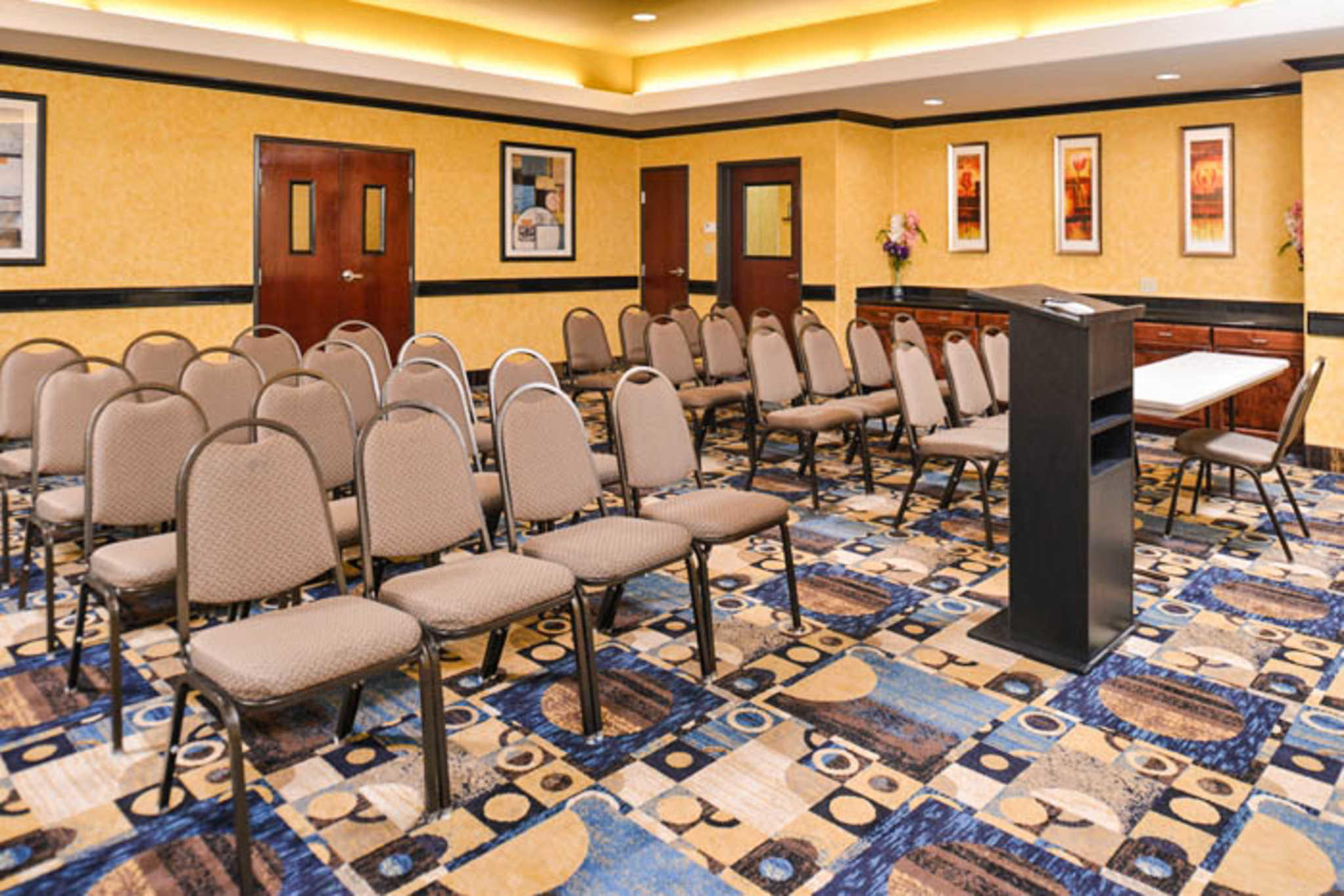 Sleep Inn & Suites Near Downtown North image 25