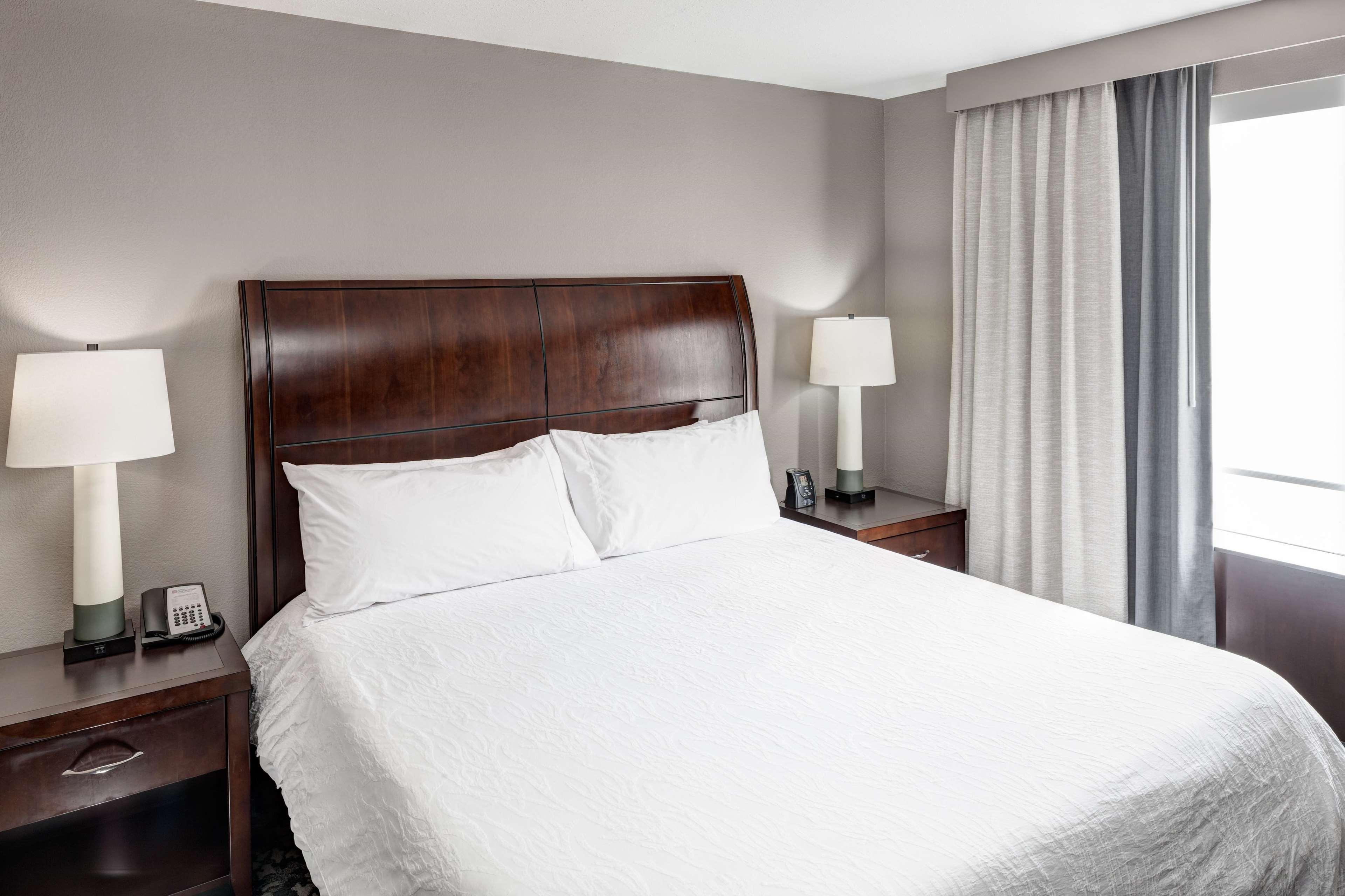 King Bed Jr. Suite 1