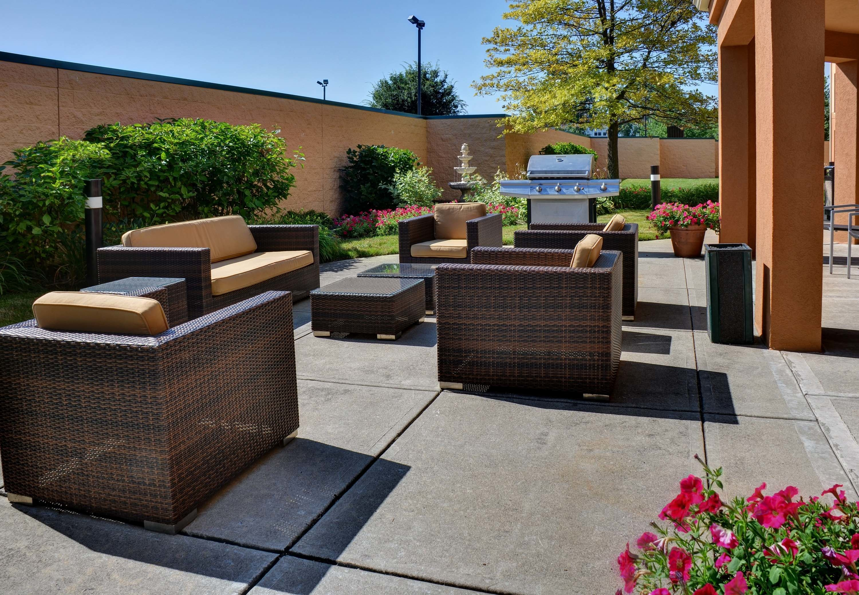 Courtyard by Marriott Indianapolis South image 15