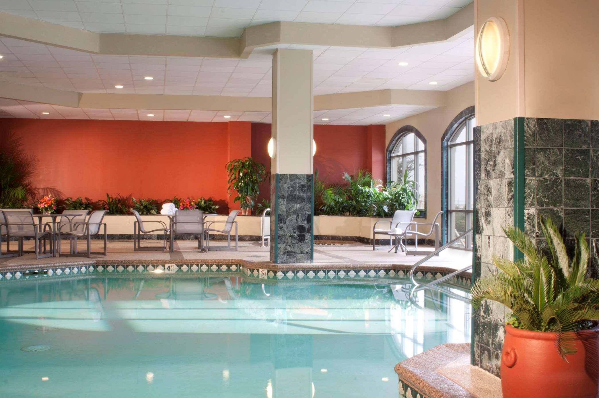 Embassy Suites by Hilton Austin Arboretum image 5
