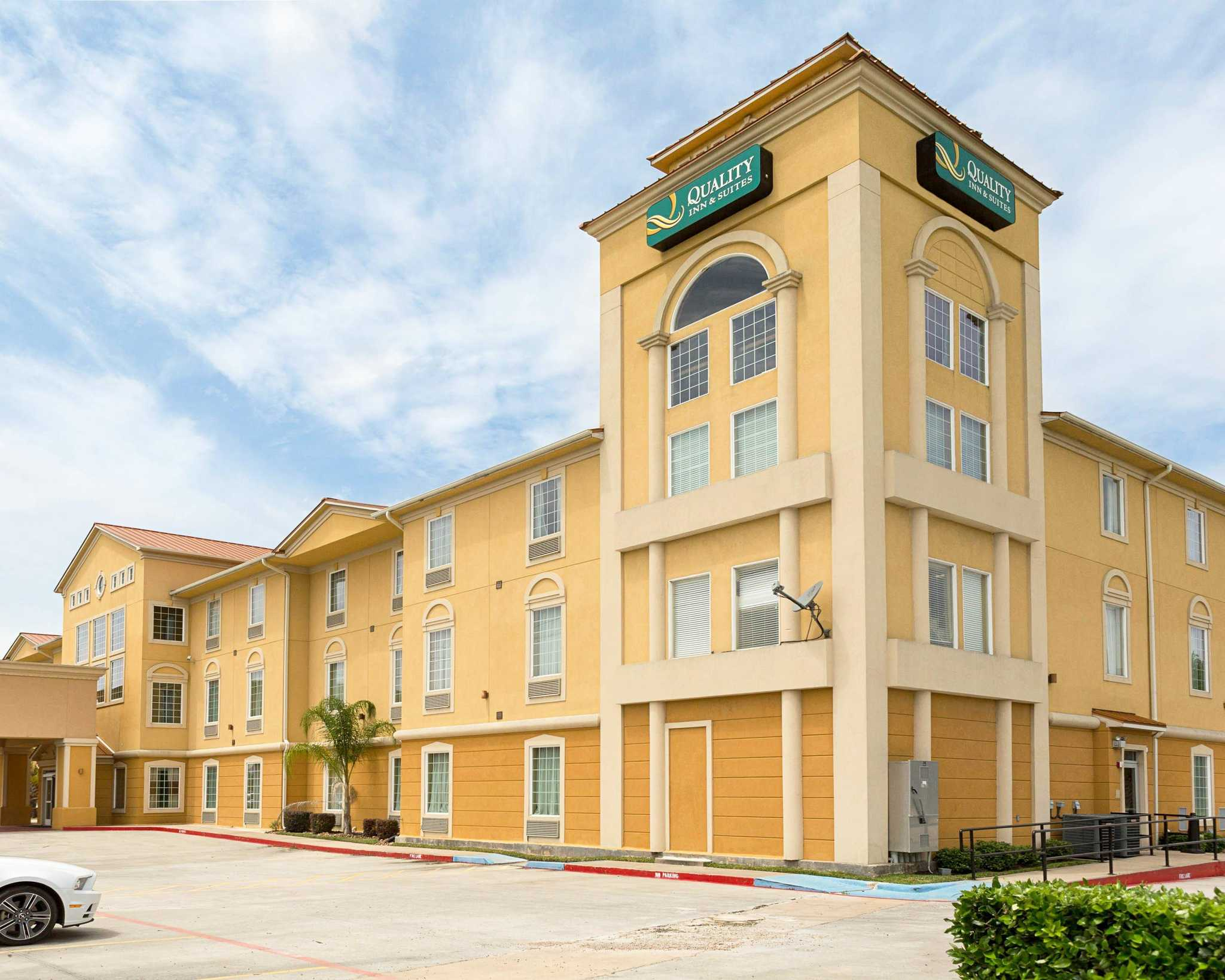 Quality inn suites in la porte tx 281 471 2 for Hotels in la porte tx