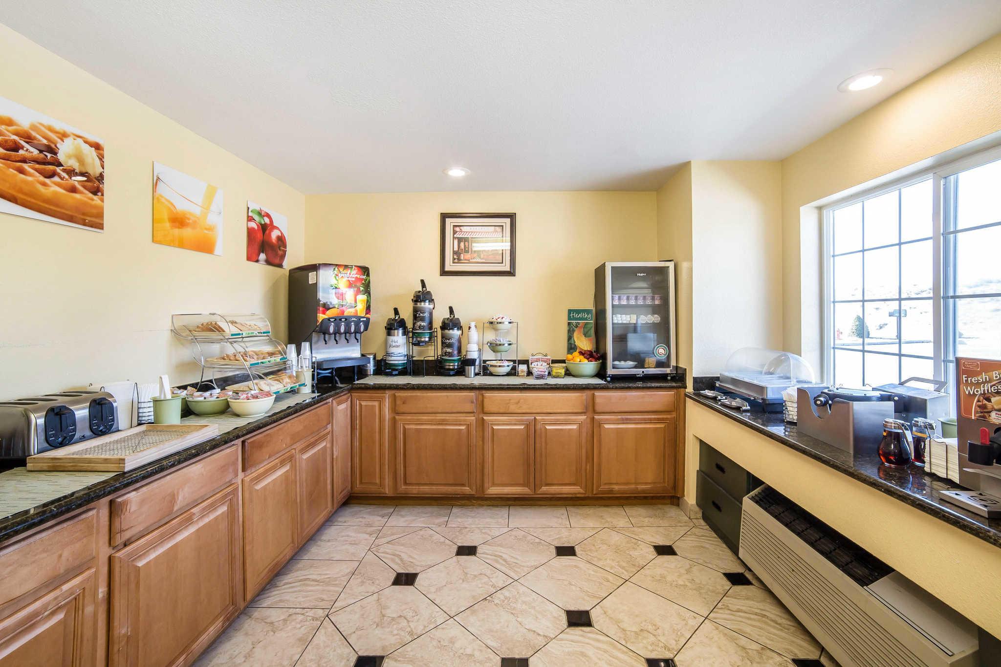 Quality Inn & Suites Elko image 25