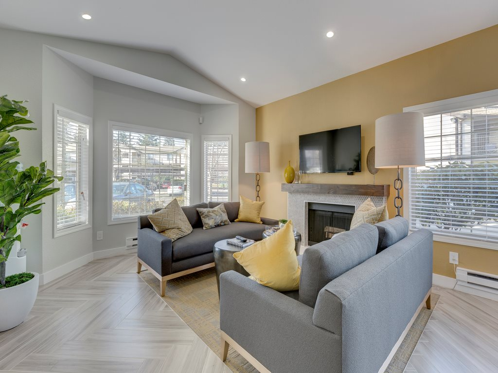 Saratoga Apartments image 1