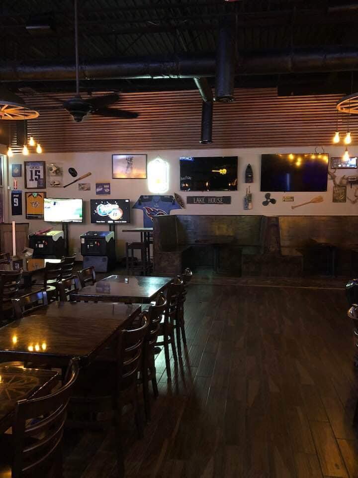 Kat's Bar & Grille image 0