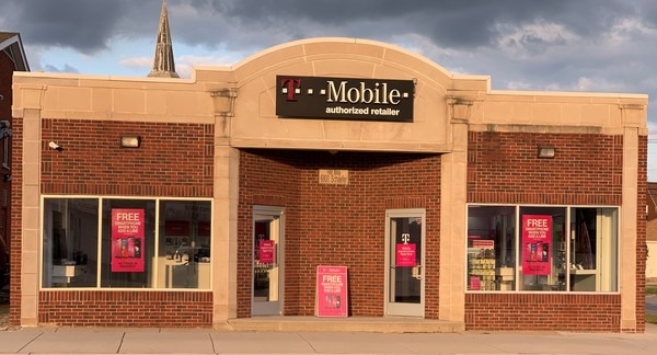 Exterior photo of T-Mobile Store at Schaefer & Blesser, Dearborn, MI