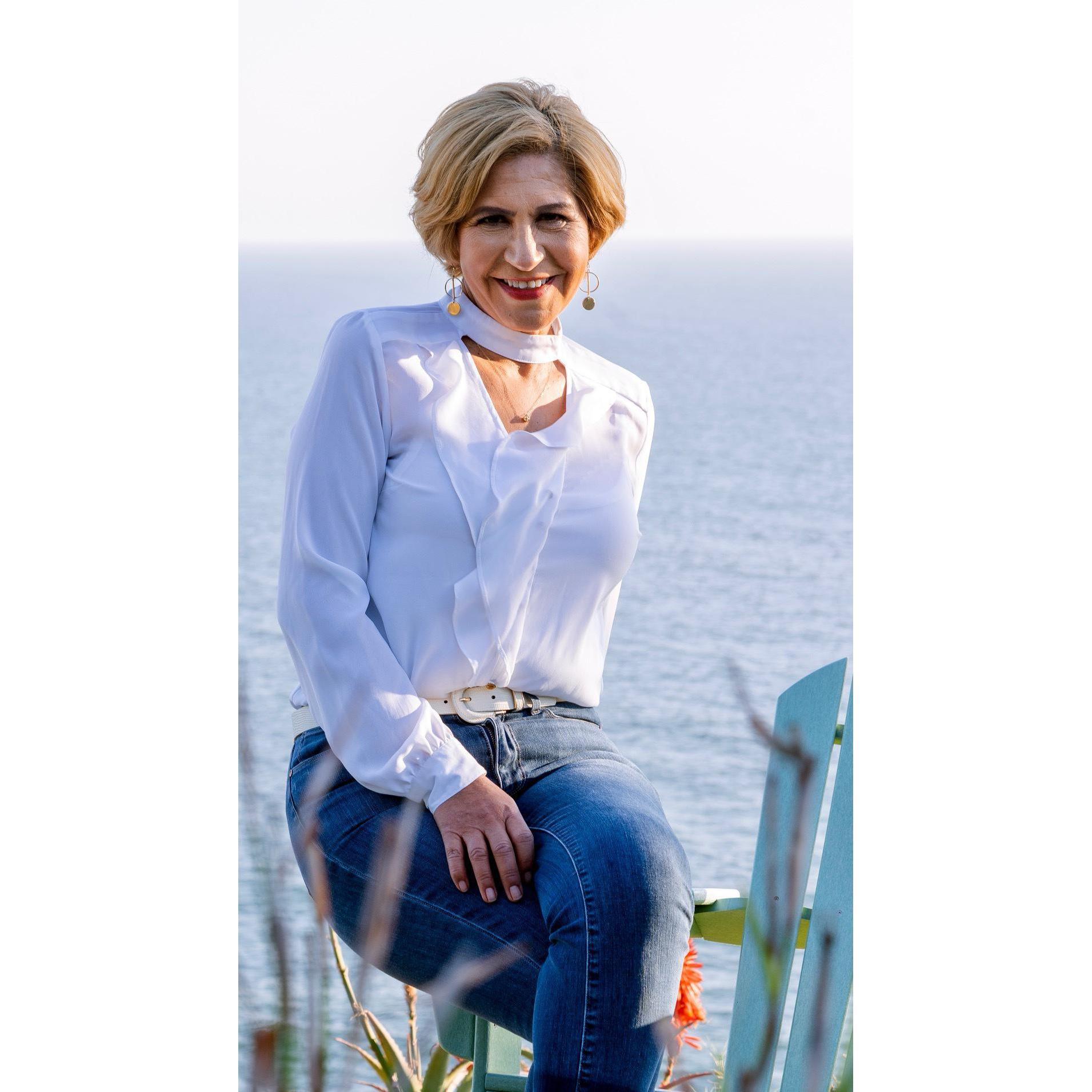 Elizabeth Sorgen - Santa Monica Real Estate
