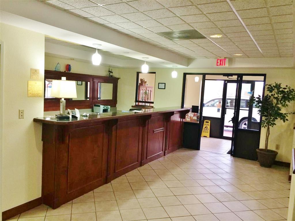 America's Best Inn & Suites - Flowood / Jackson Airport image 3