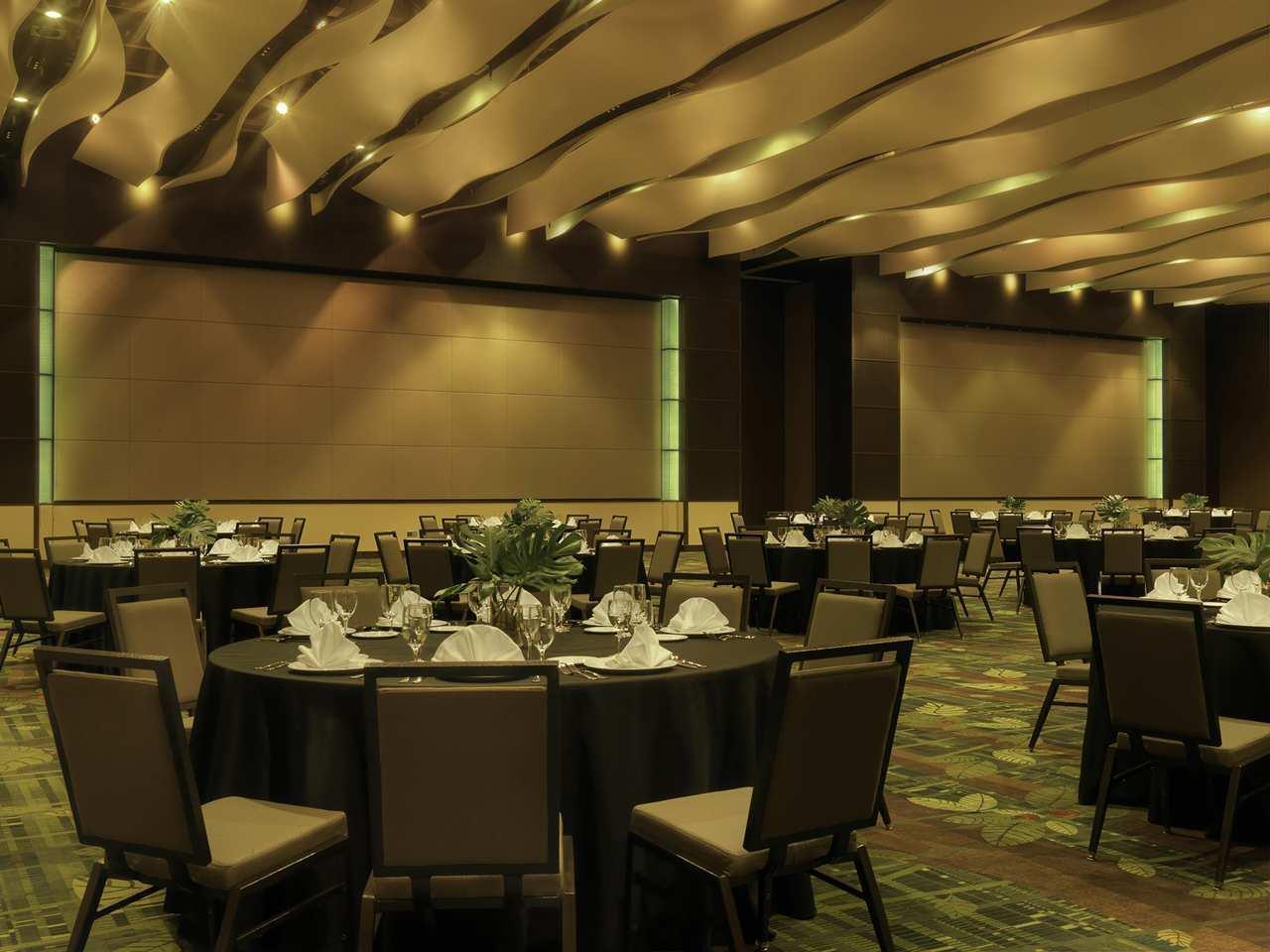 DoubleTree by Hilton Hotel Cedar Rapids Convention Complex image 21
