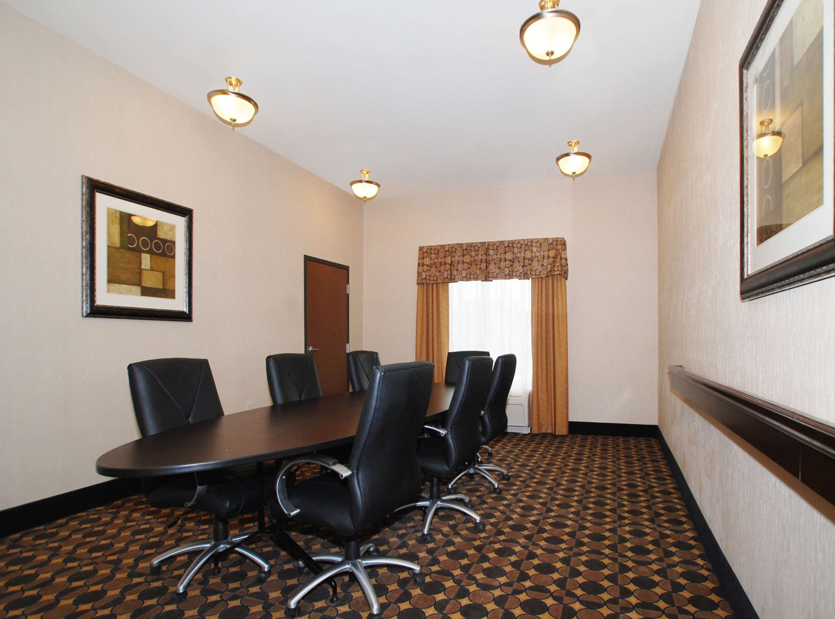 Hampton Inn & Suites Childress image 15