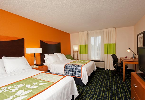 Fairfield Inn & Suites by Marriott Chicago Naperville image 2