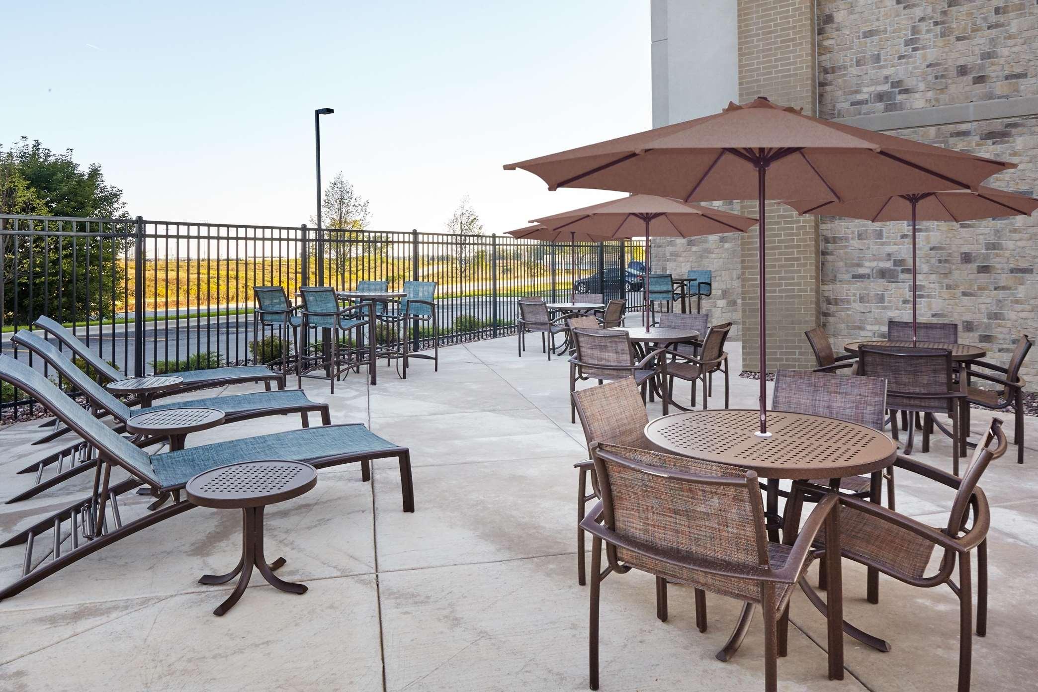 Hampton Inn & Suites Milwaukee/Franklin image 31