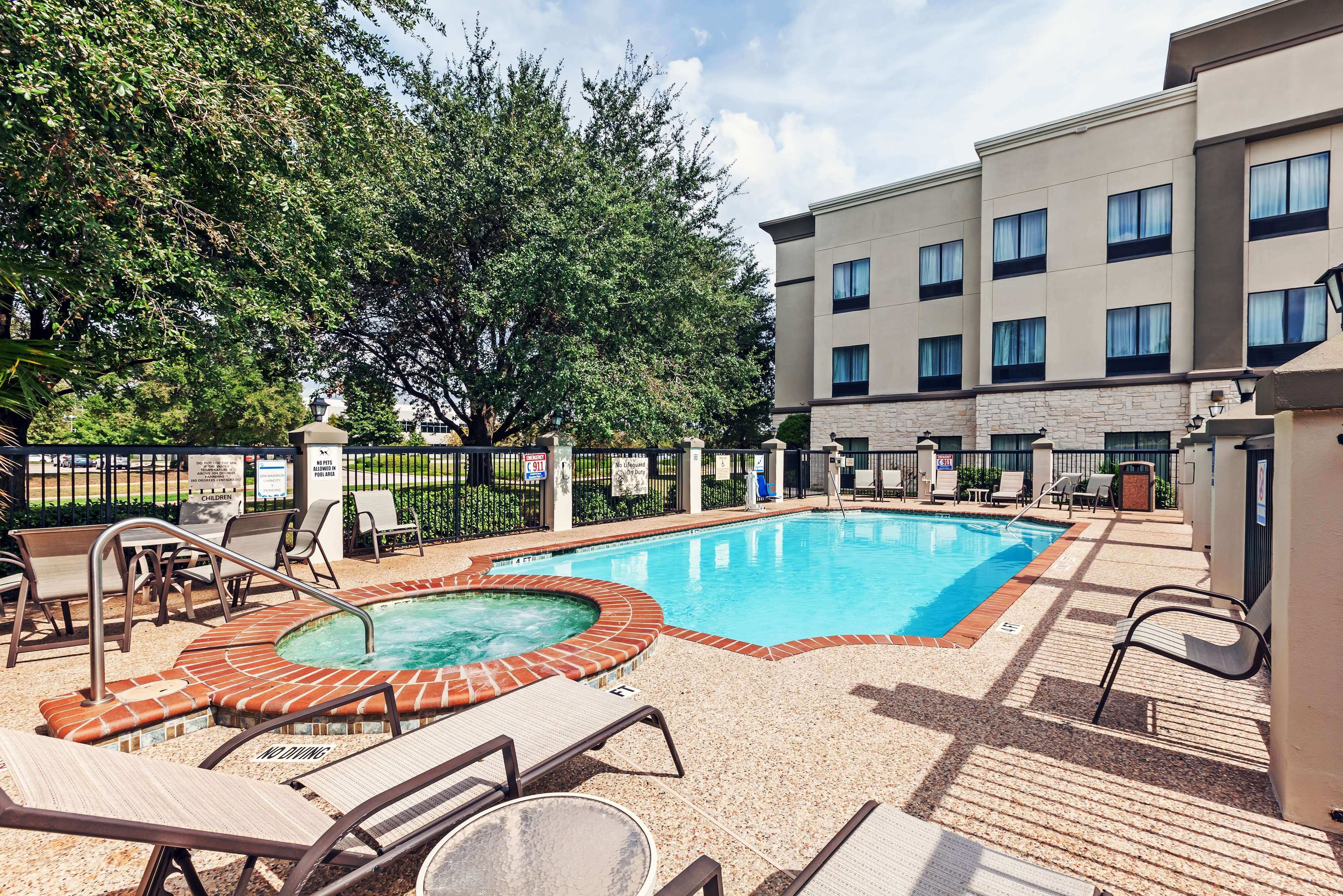 Hampton Inn & Suites Houston-Westchase image 5