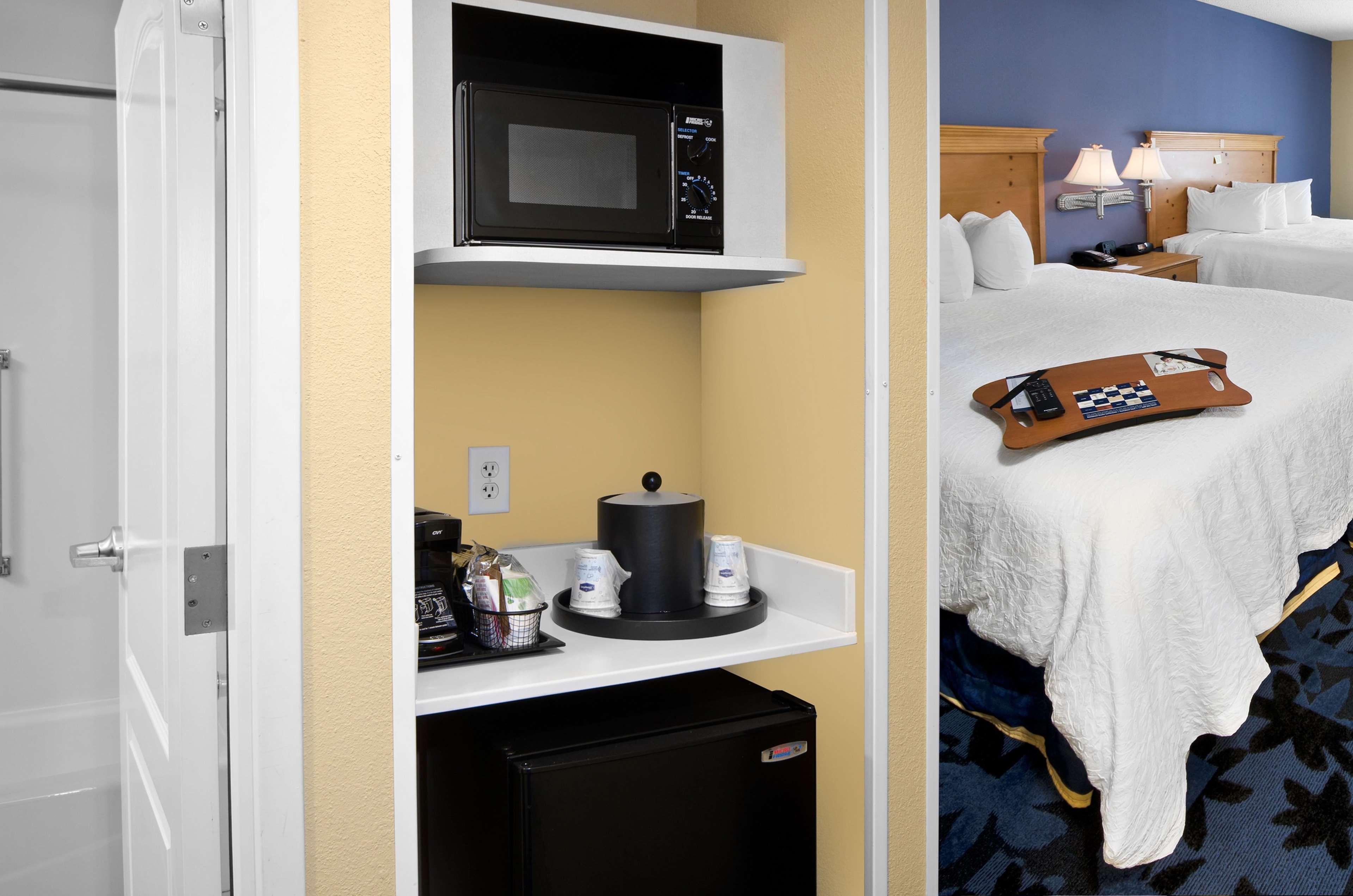 Hampton Inn & Suites Jacksonville South-St. Johns Town Center Area image 37