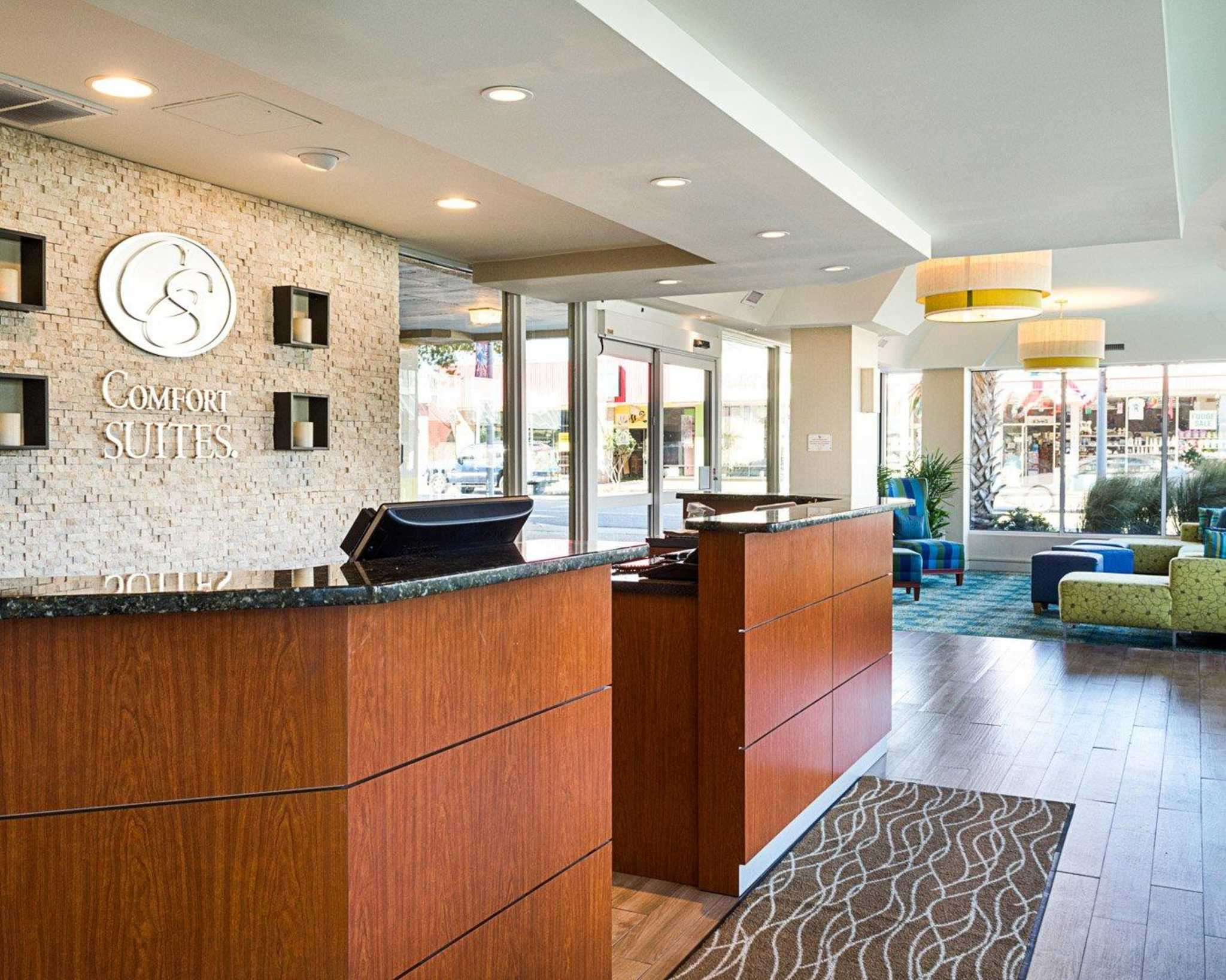 Comfort Suites Beachfront image 9