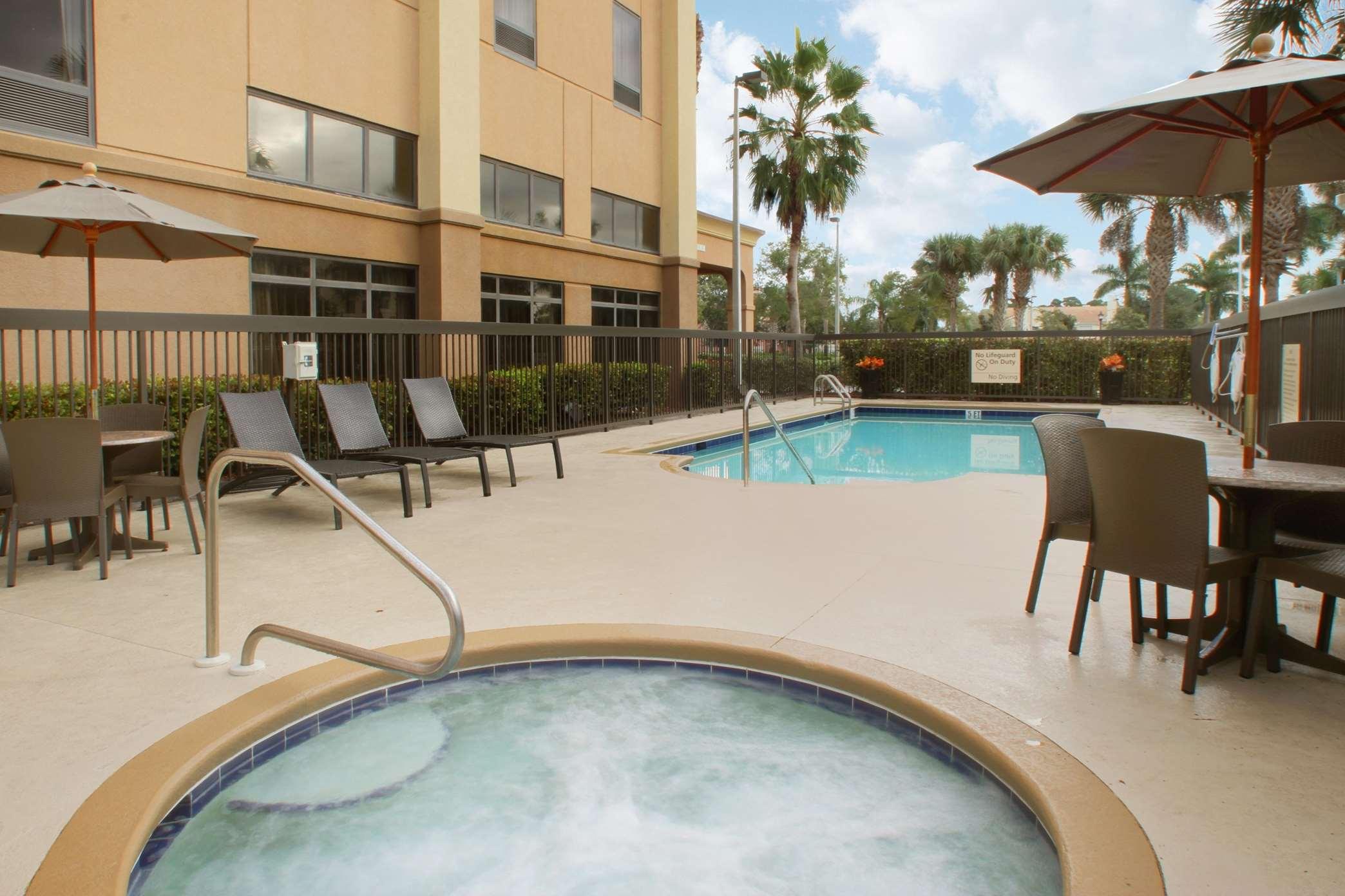 Hampton Inn & Suites Port St. Lucie, West image 28