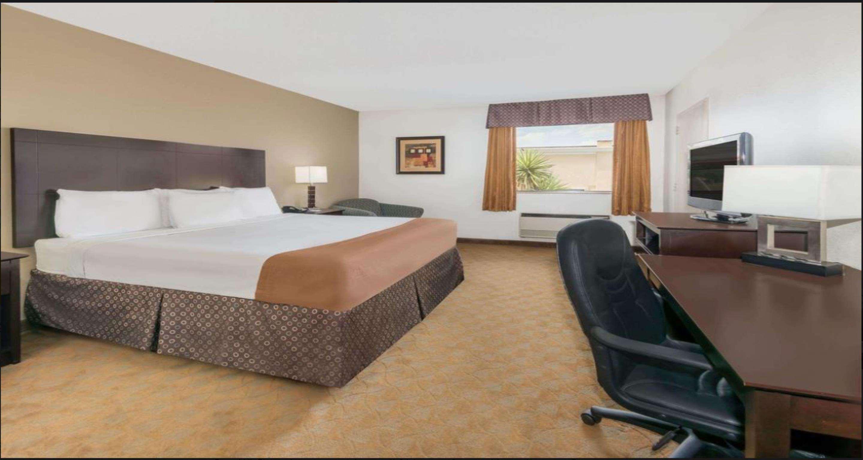 SureStay Plus Hotel by Best Western Lubbock Medical Center image 9