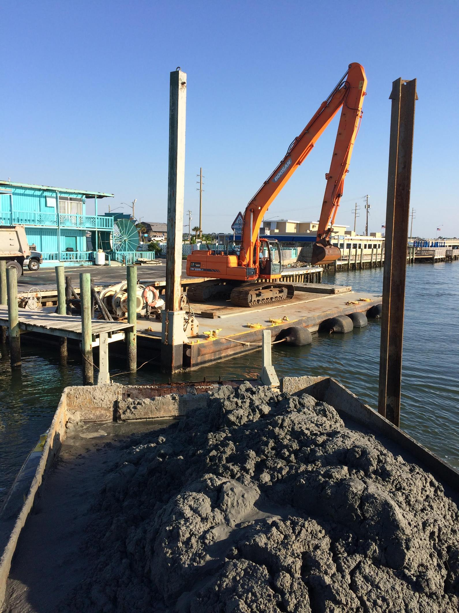 Brooks Dredging Amp Marine Construction Inc In Harkers