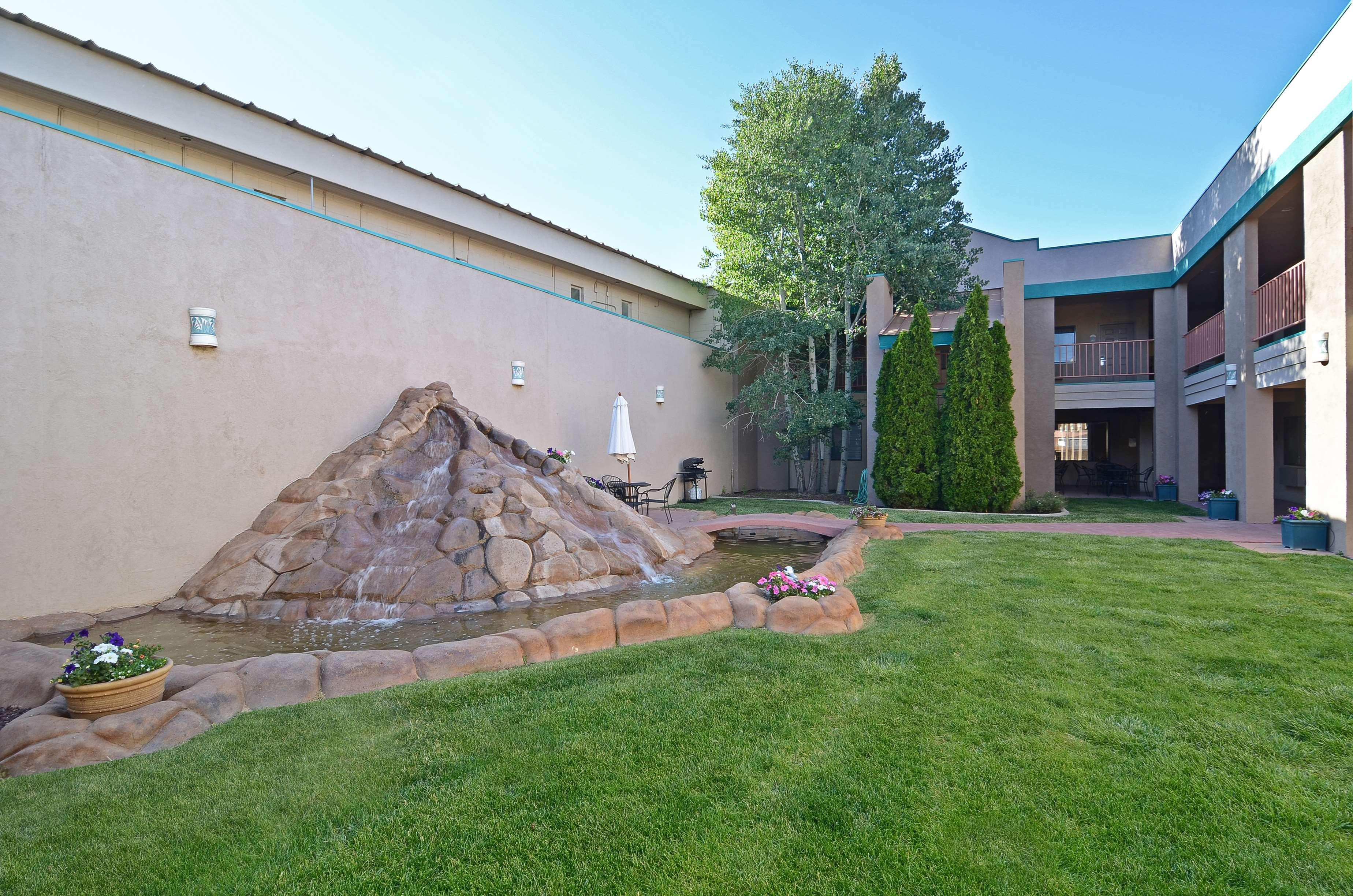 Best Western Turquoise Inn & Suites image 9