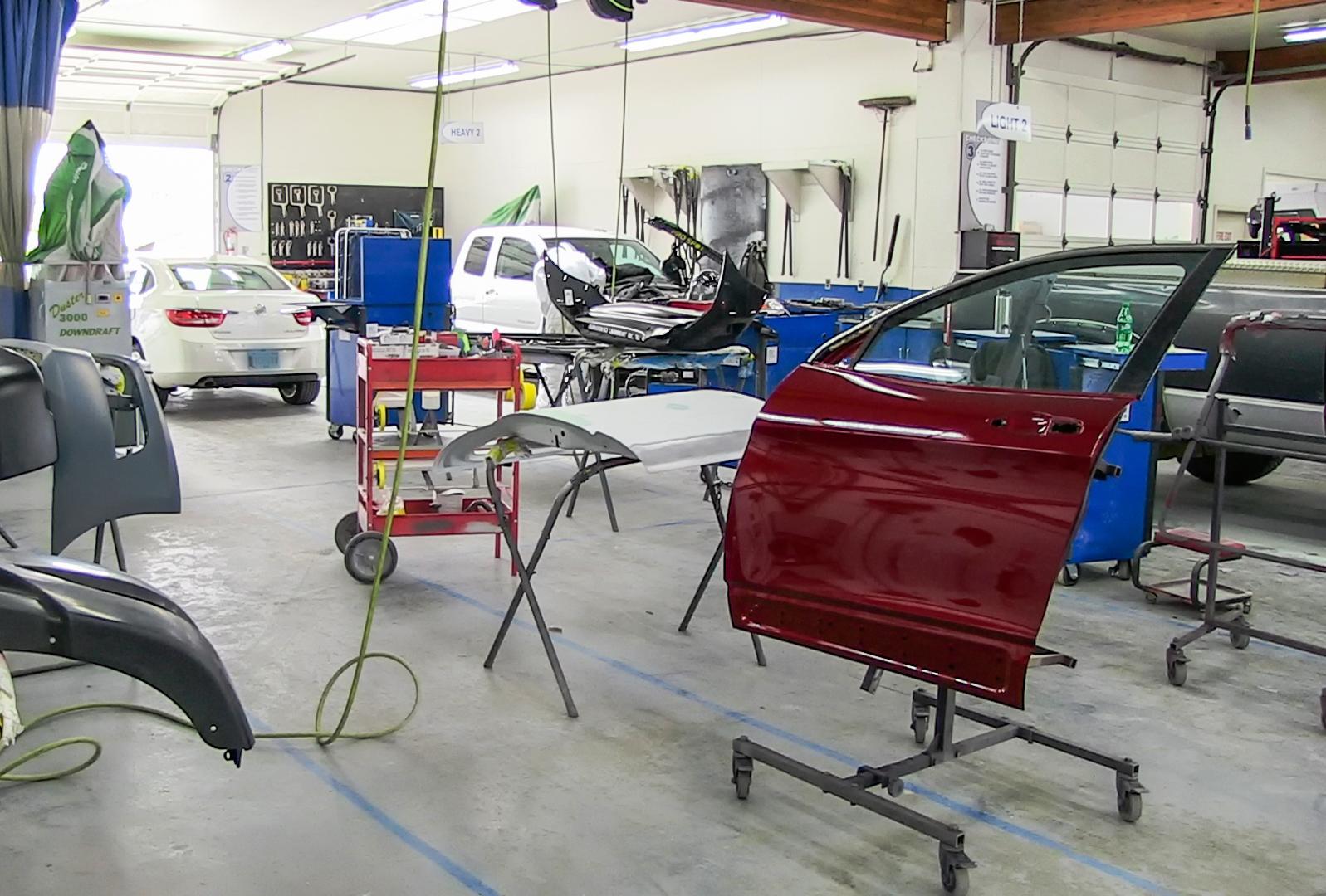 Reliable Auto Body Ltd in Courtenay