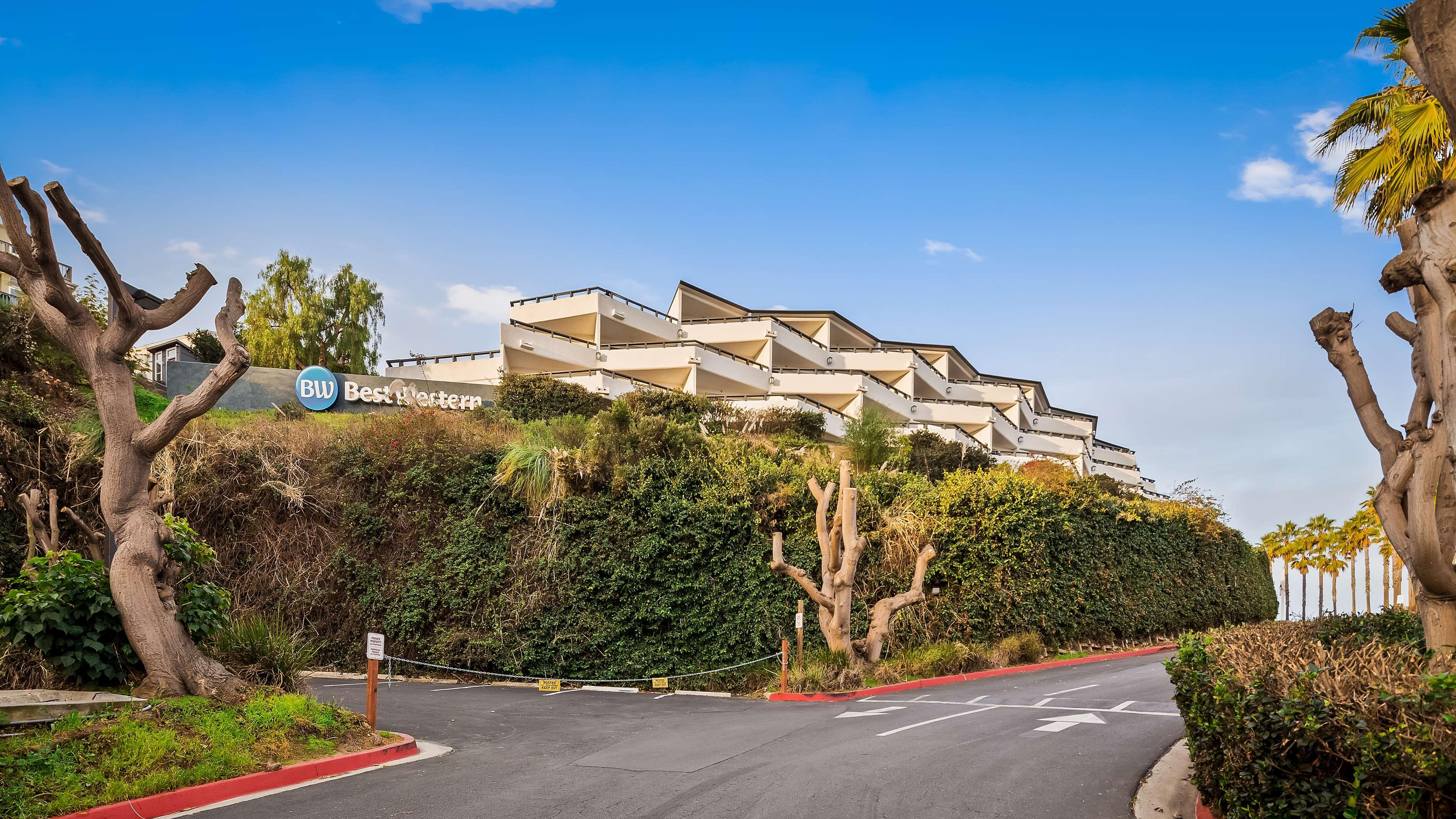 Best Western Encinitas Inn & Suites at Moonlight Beach image 1