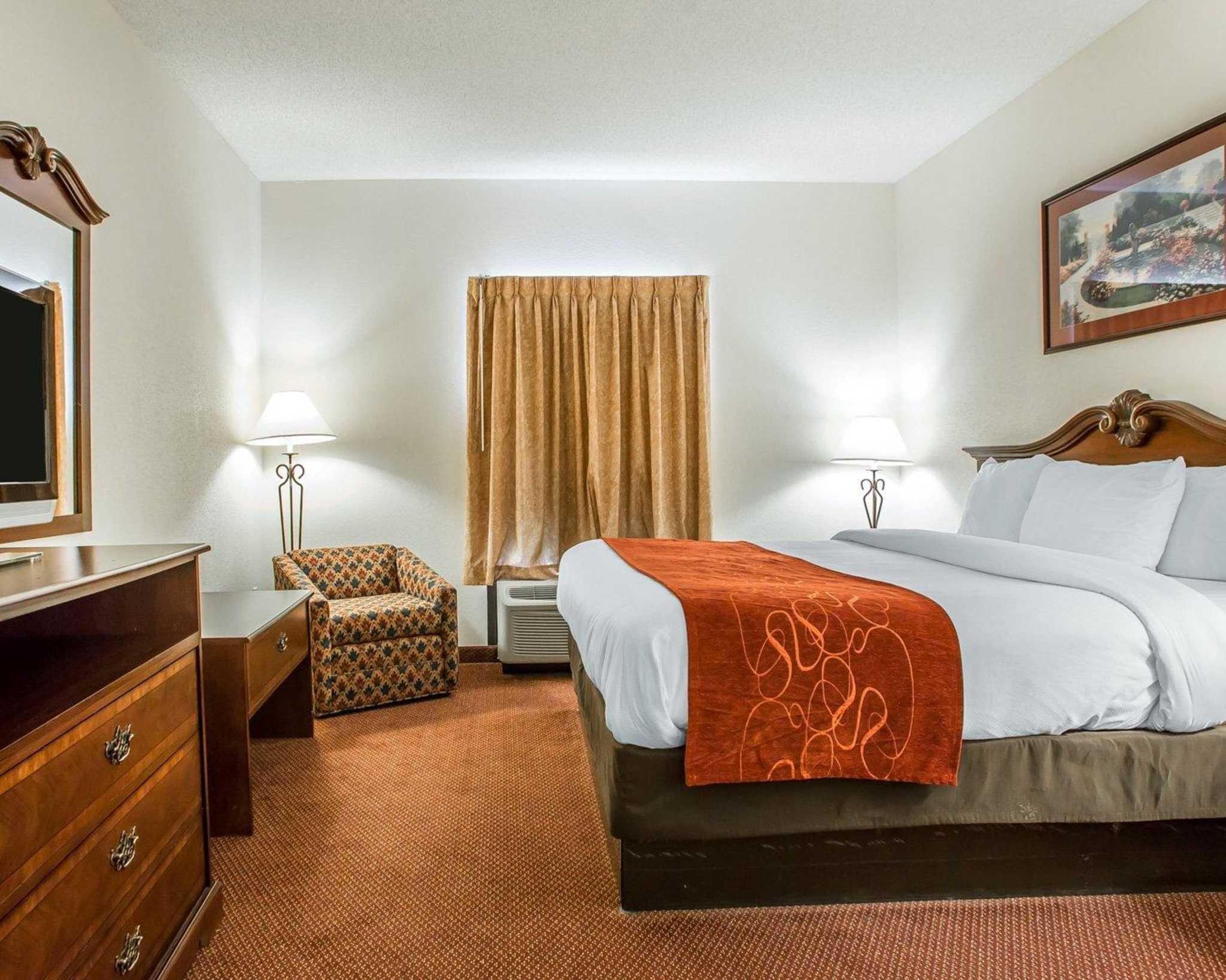 Comfort Suites Jefferson City image 20
