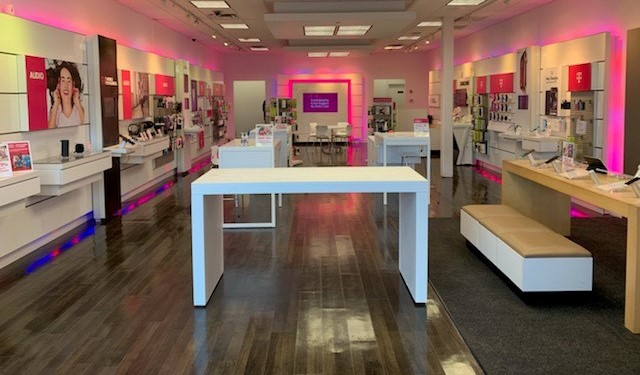Cell Phones, Plans, and Accessories at T-Mobile 1251 US 31 ...