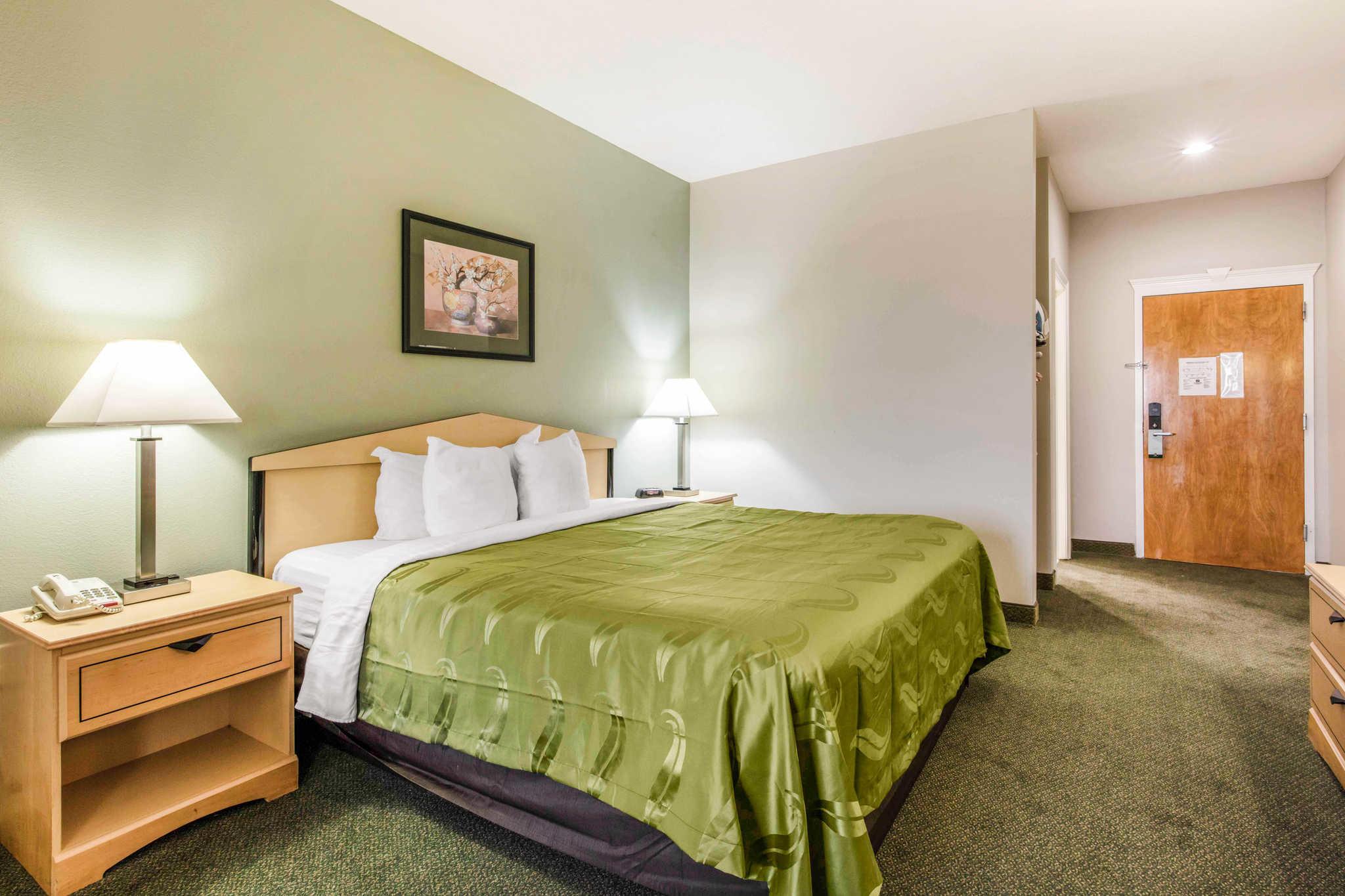 Quality Inn & Suites Jackson Int'l Airport image 17