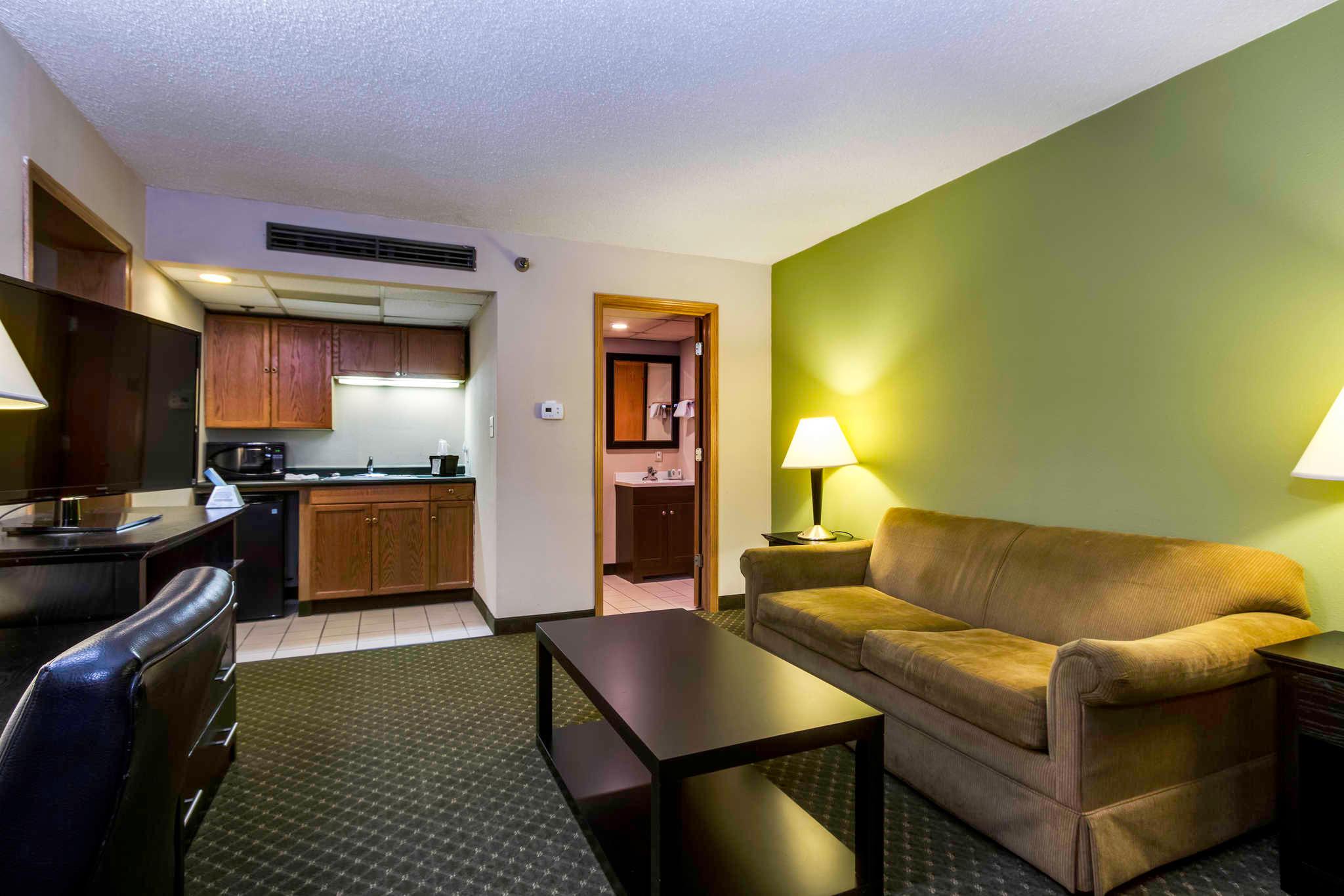 Quality Inn & Suites Moline - Quad Cities image 17