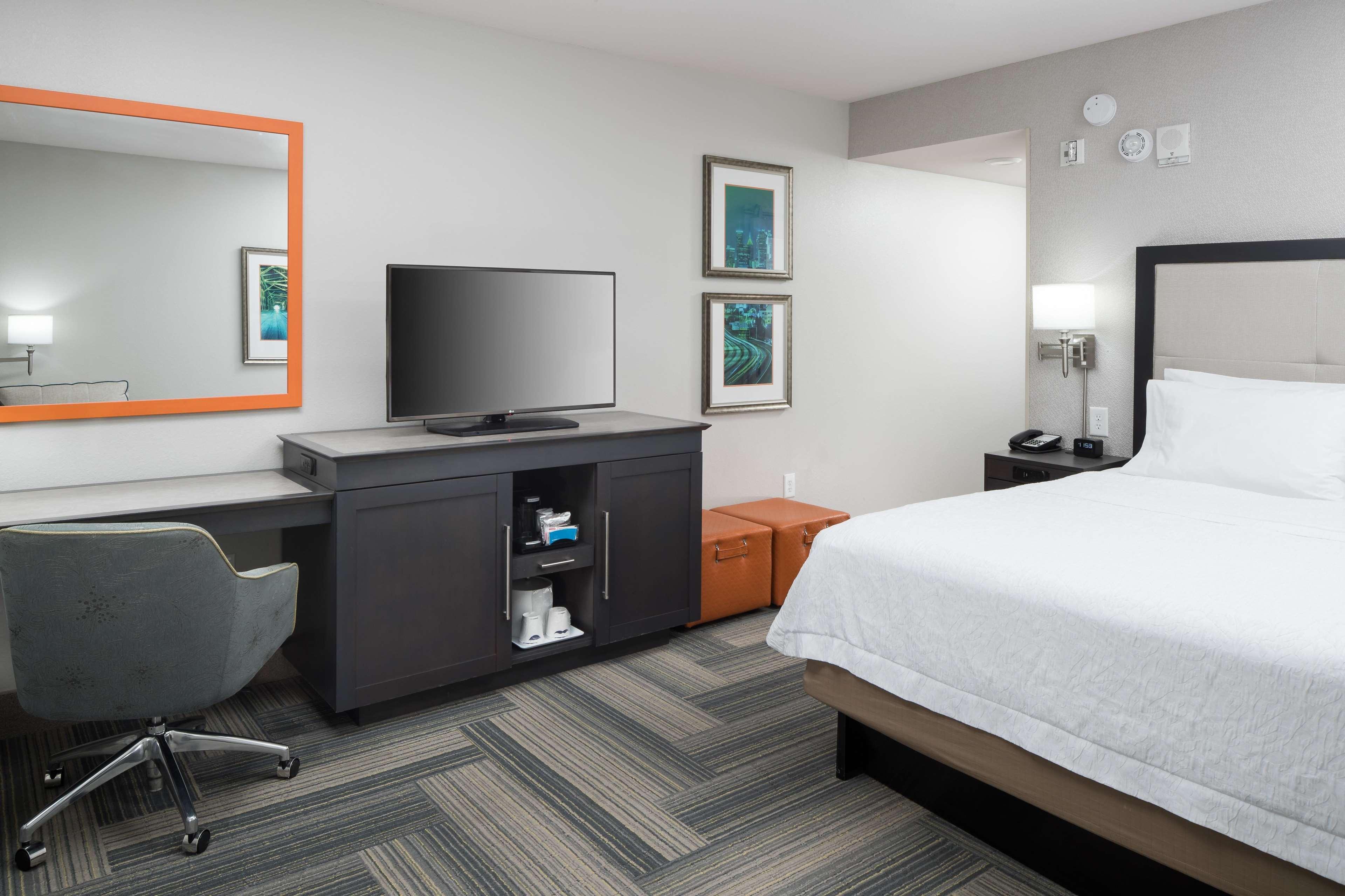 Hampton Inn & Suites by Hilton Atlanta Perimeter Dunwoody image 24