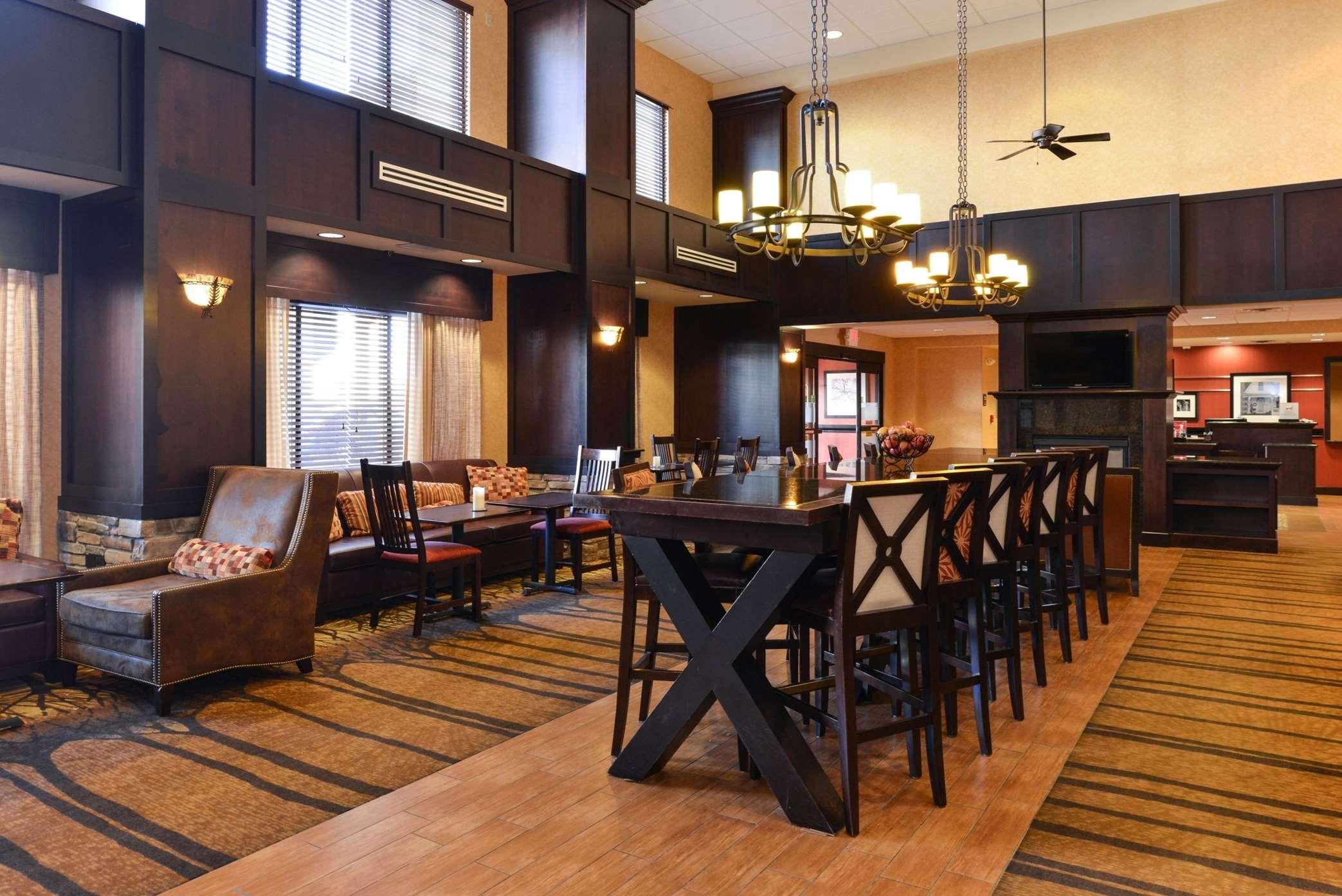 Hampton Inn & Suites Casper image 9