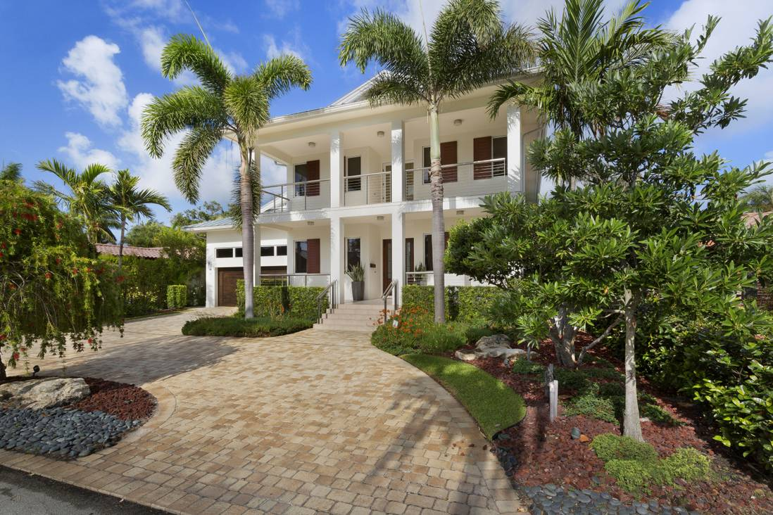 Maureen Rotella - Premier Estate Properties image 32