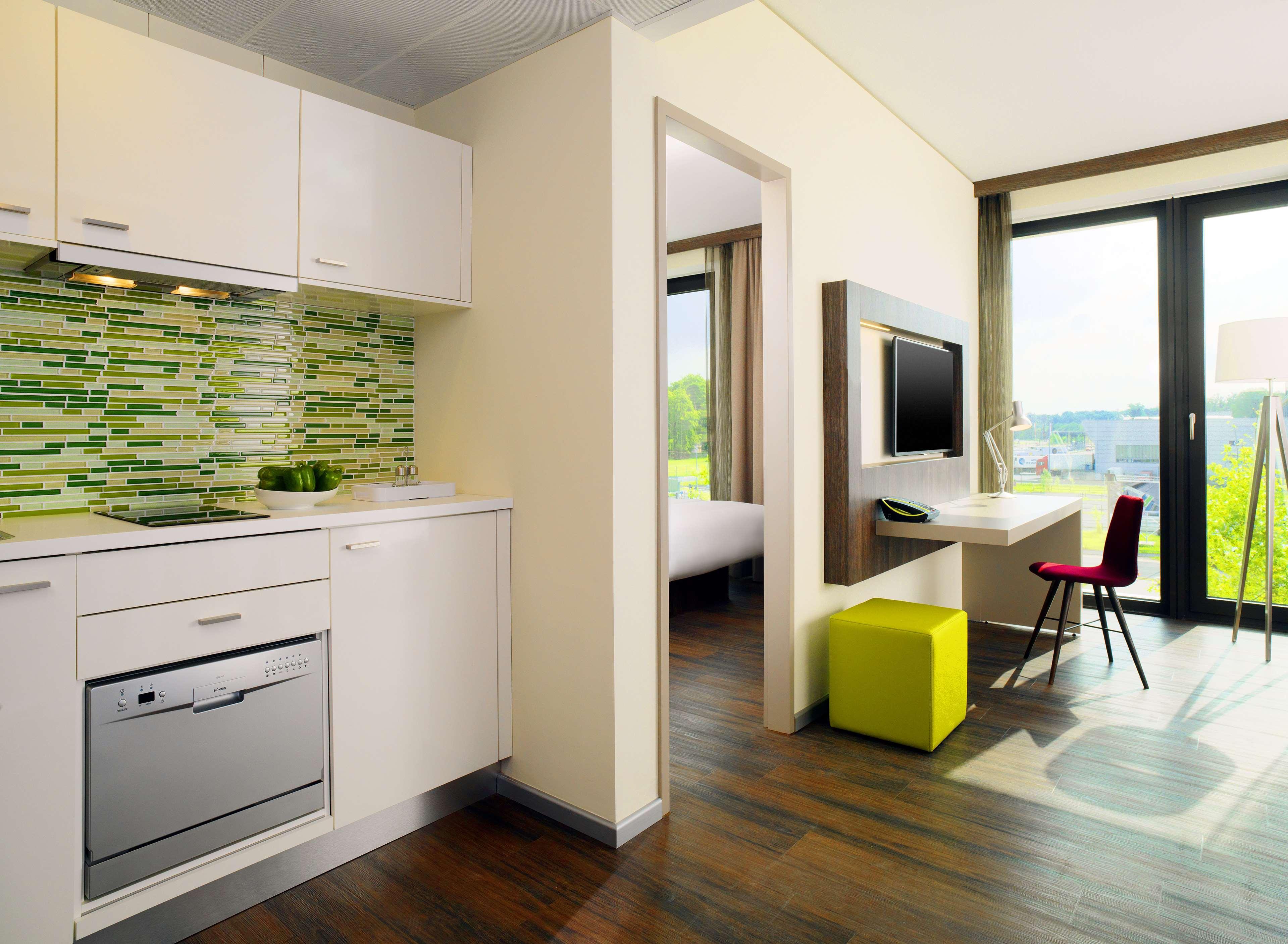 element frankfurt airport hotels hotels restaurants frankfurt deutschland tel 069365065. Black Bedroom Furniture Sets. Home Design Ideas