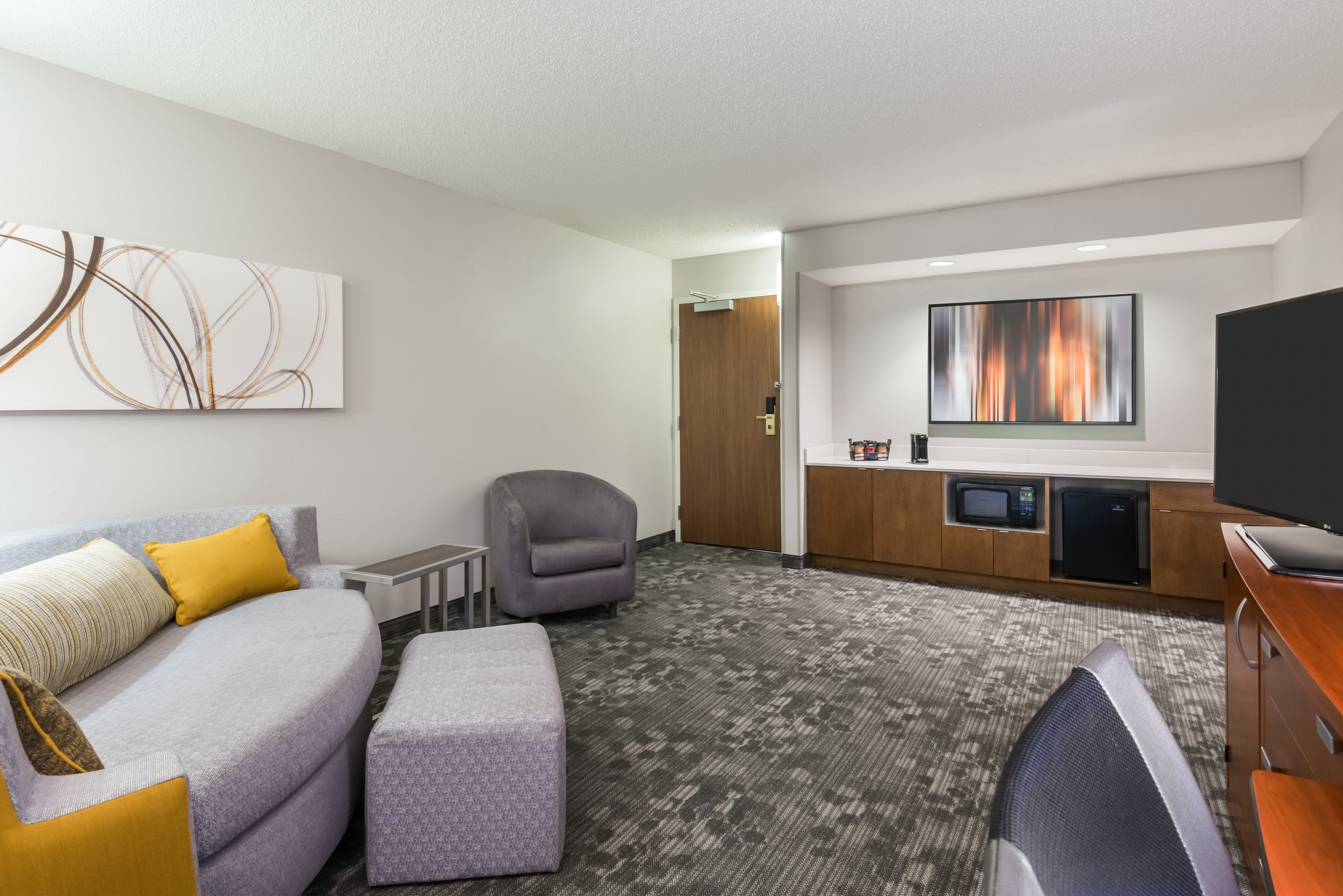 Courtyard by Marriott Mobile image 11