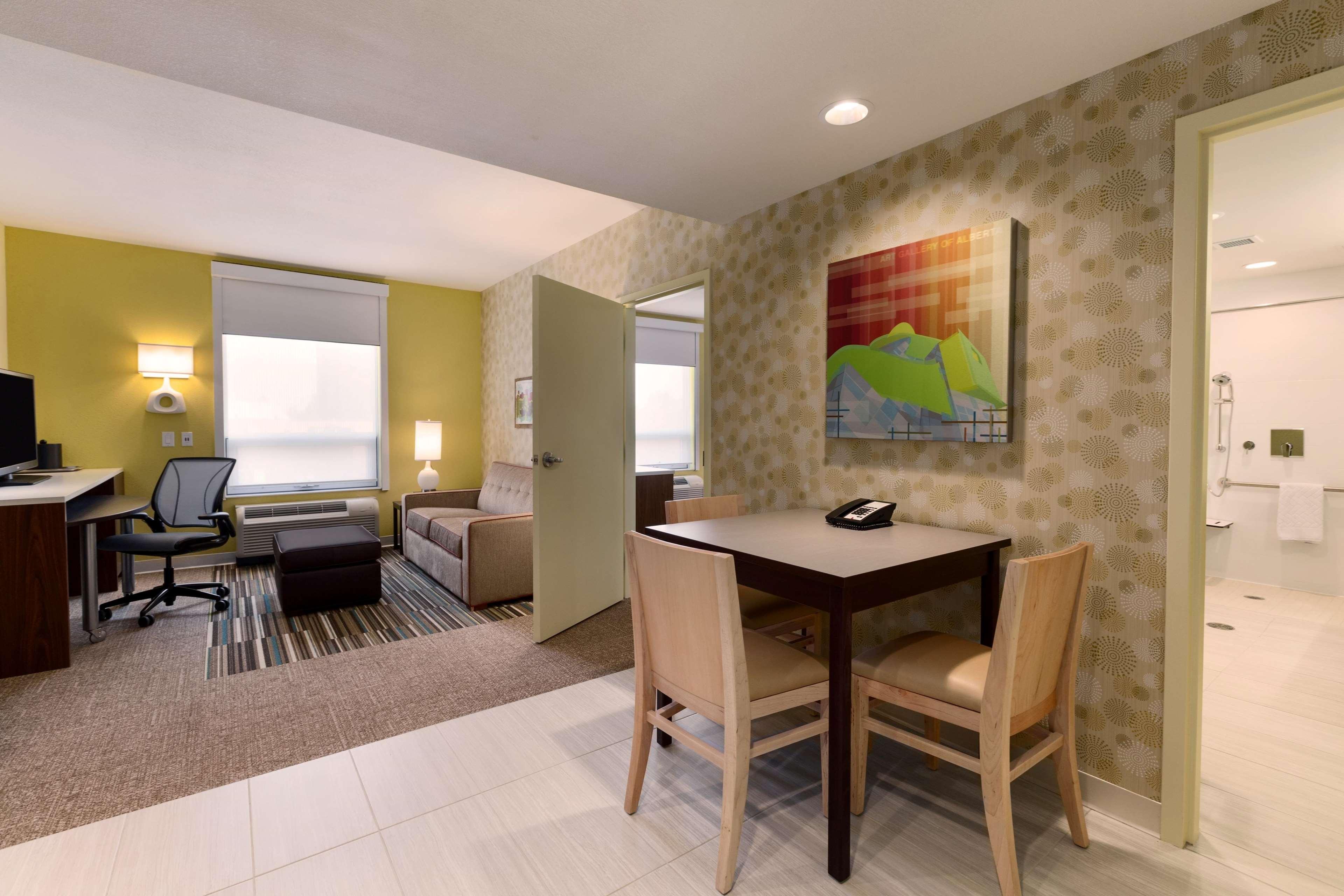 Home2 Suites by Hilton West Edmonton, Alberta, Canada à Edmonton: 1 Queen Accessible Suite