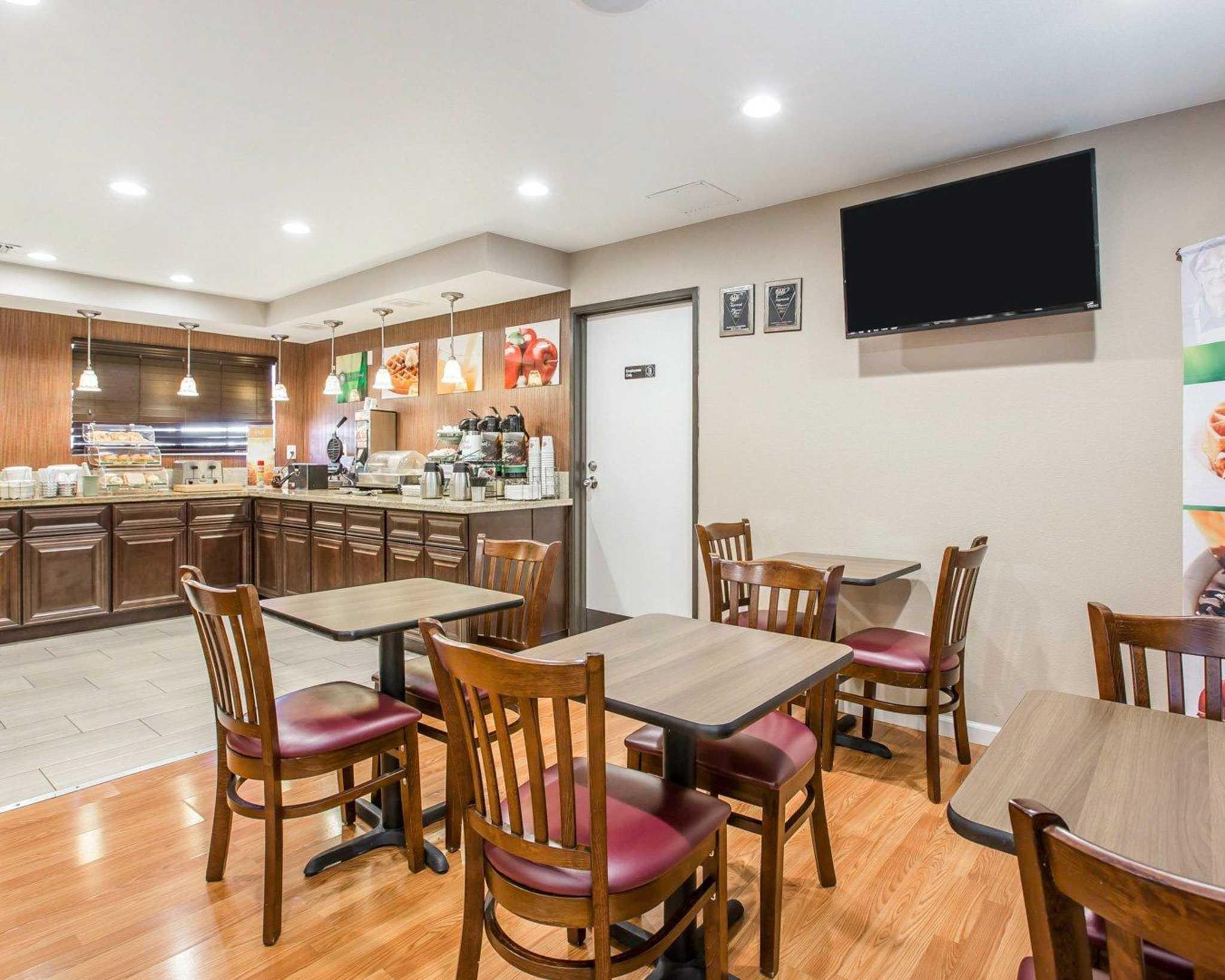 Quality Inn & Suites Woodland - Sacramento Airport image 22
