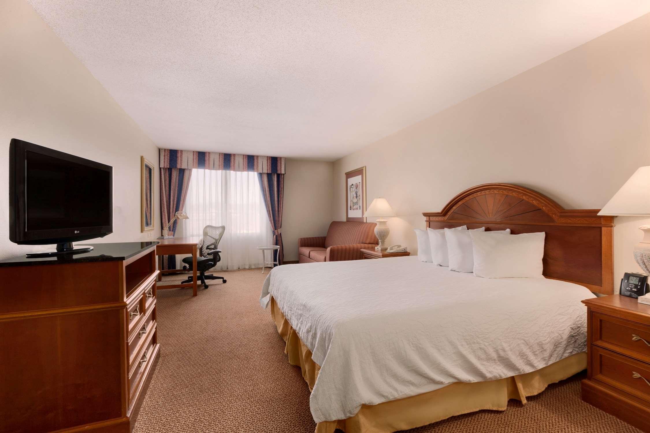 Hilton Garden Inn Syracuse image 12