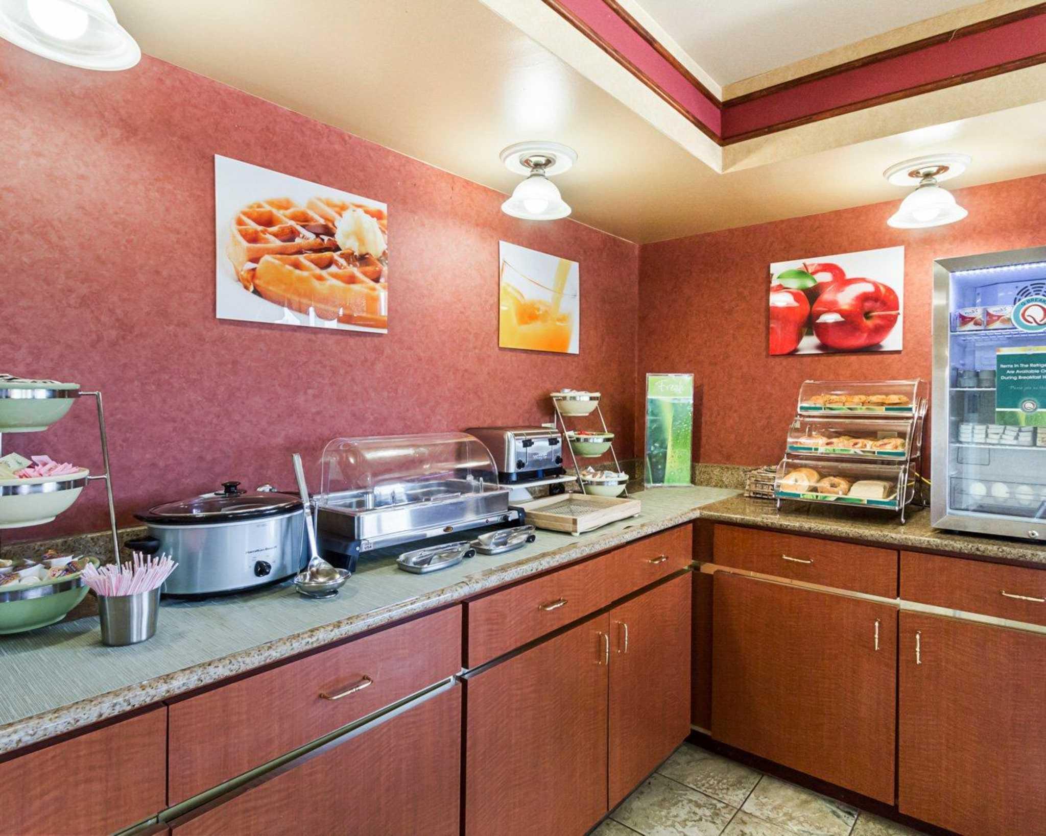 Quality Inn & Suites Southwest image 23