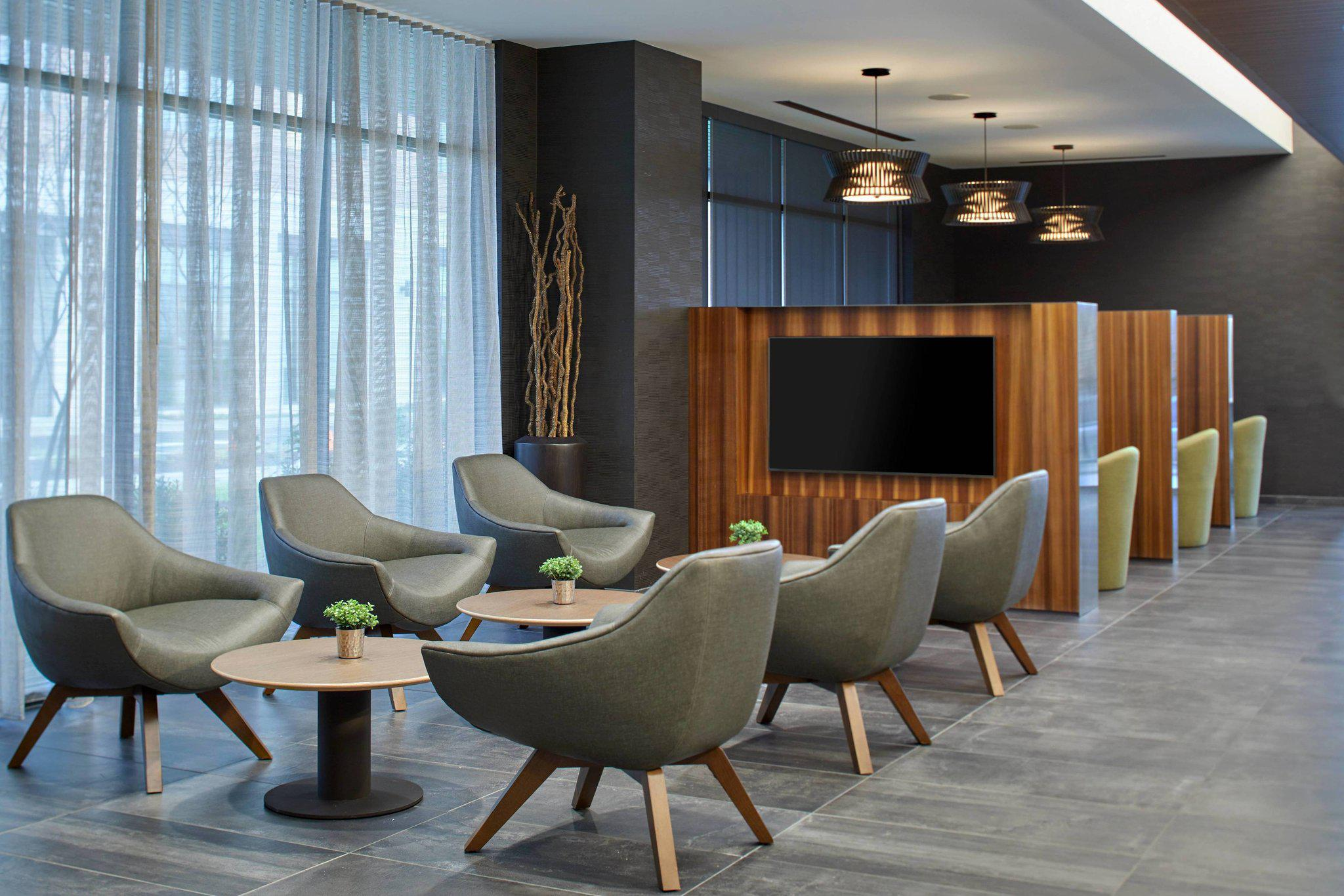 Courtyard by Marriott Baltimore Downtown/McHenry Row