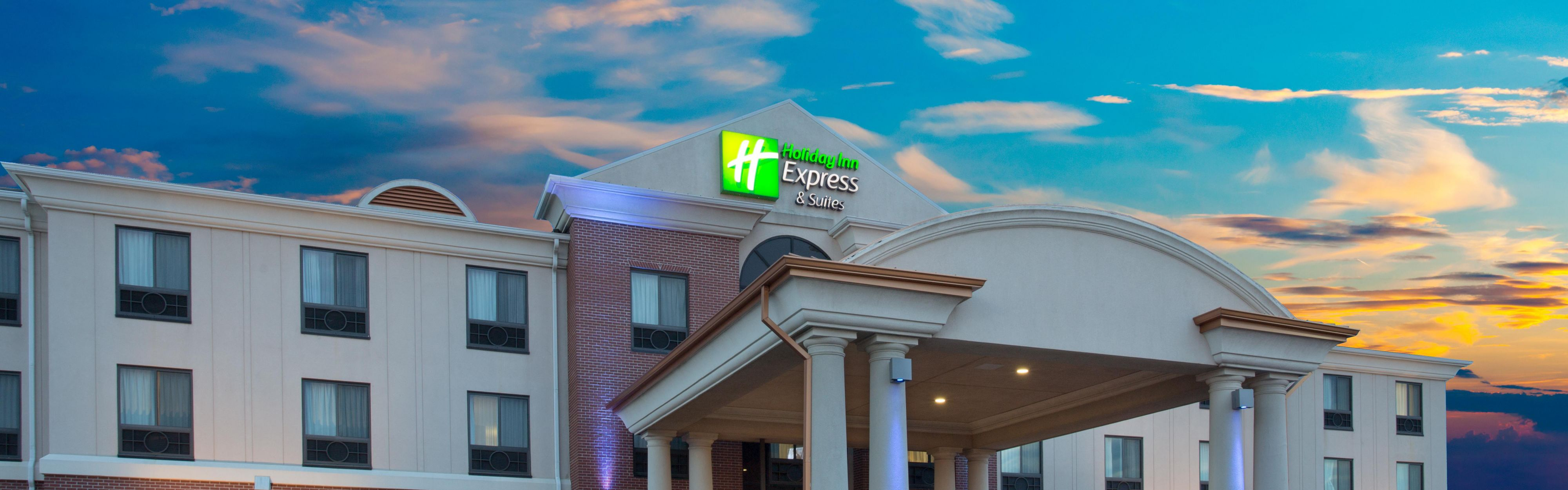 Holiday Inn Express & Suites Concordia US81 image 0