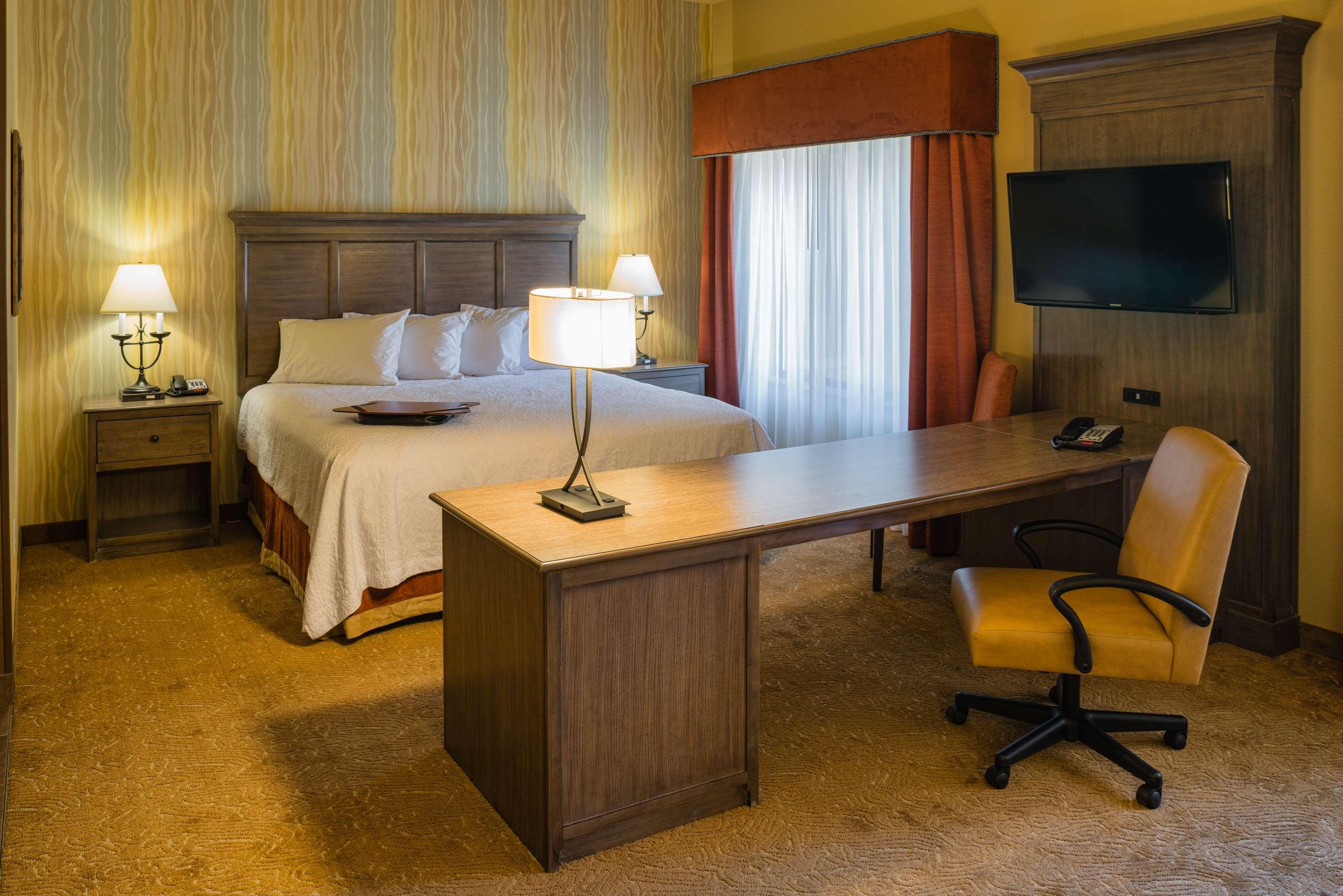 Hampton Inn & Suites Springdale/Zion National Park image 17