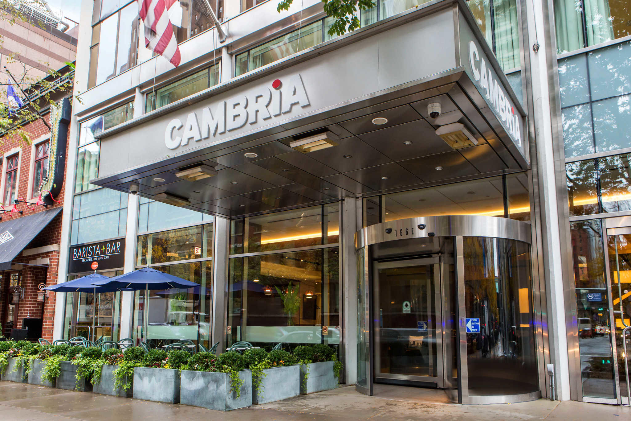 cambria hotel chicago magnificent mile. Black Bedroom Furniture Sets. Home Design Ideas
