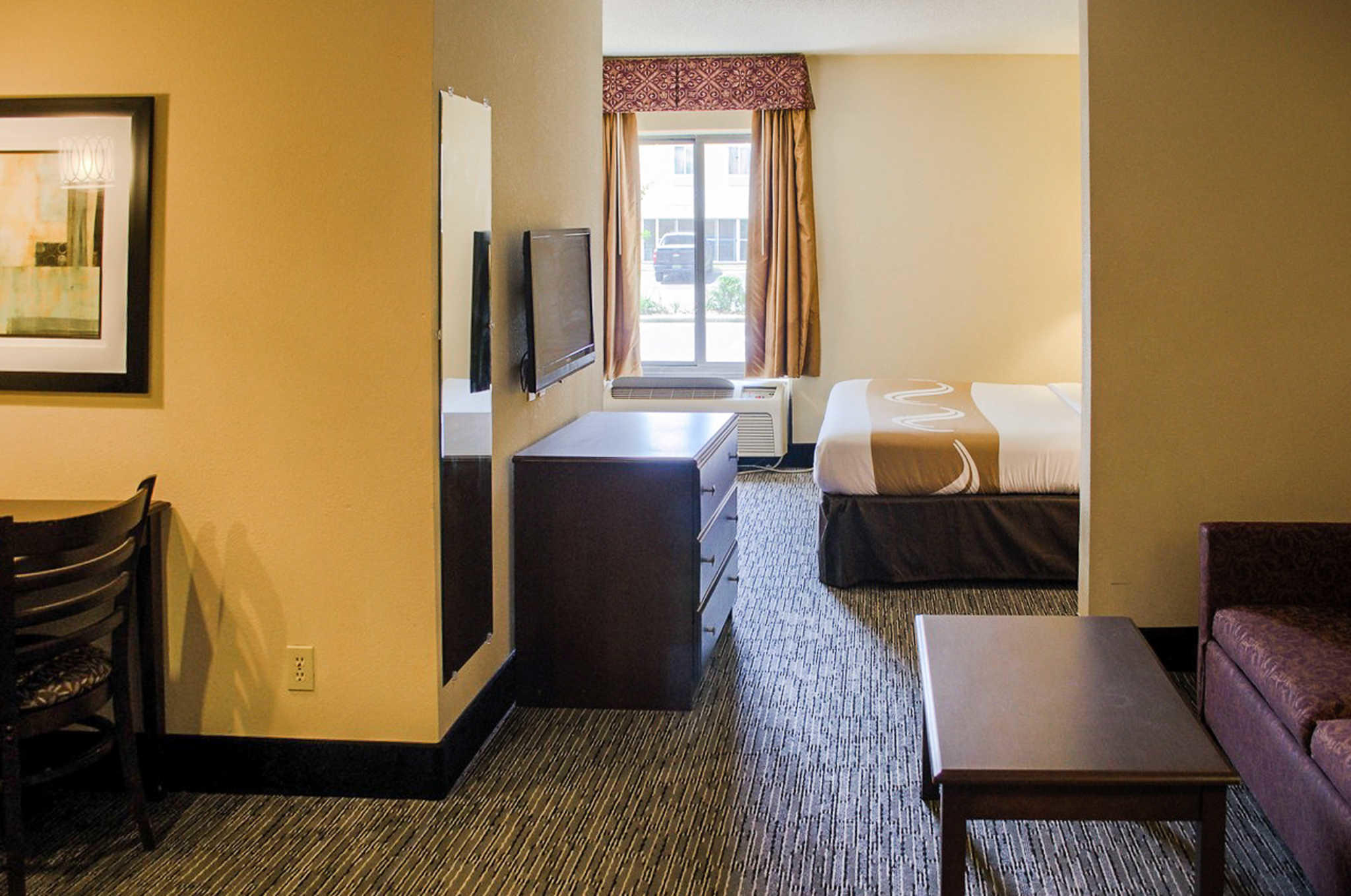 Quality Inn & Suites at Airport Blvd I-65 image 8