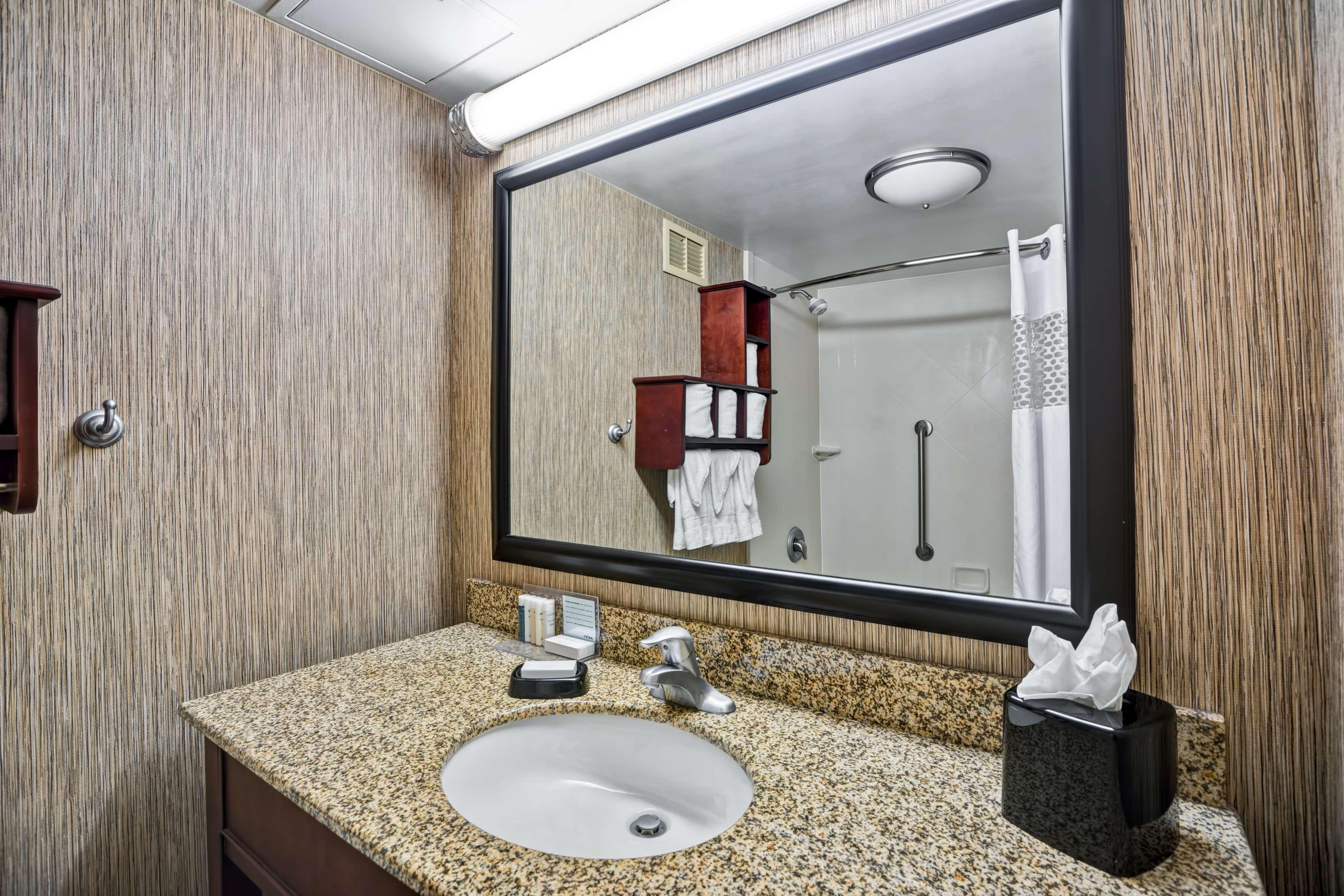 Hampton Inn Scranton At Montage Mountain image 18
